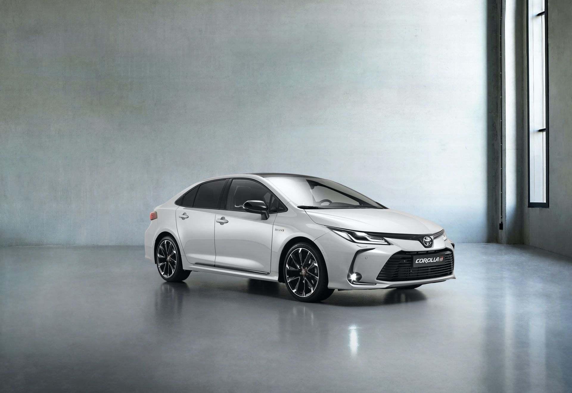 Toyota_Corolla_Sedan_GR_Sport_0009