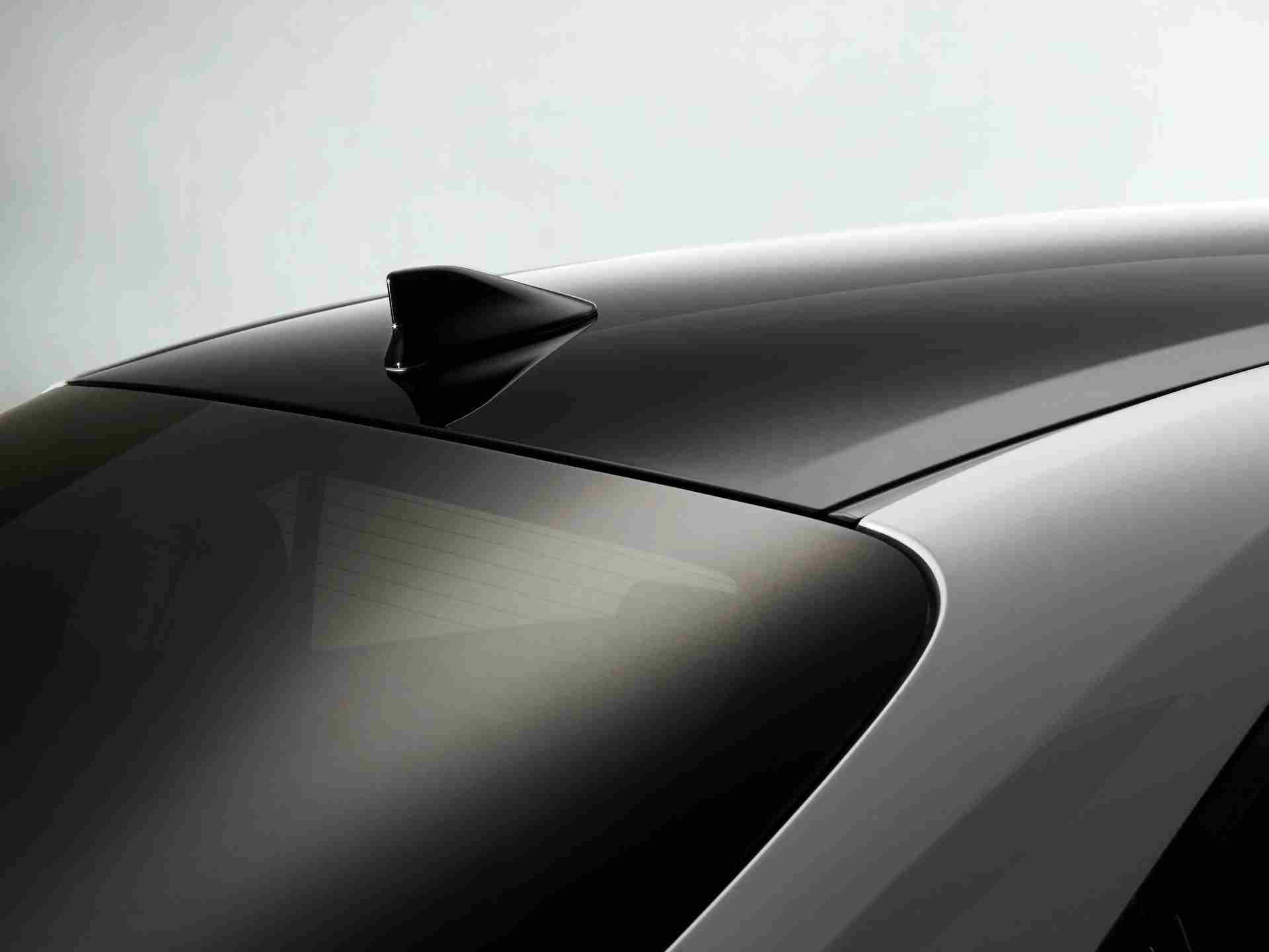 Toyota_Corolla_Sedan_GR_Sport_0019