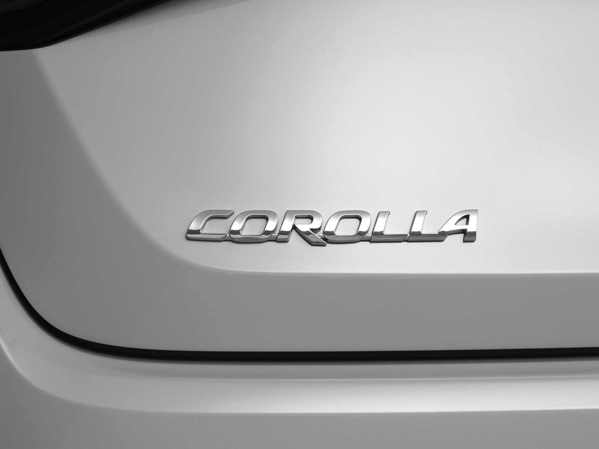 Toyota_Corolla_Sedan_GR_Sport_0023