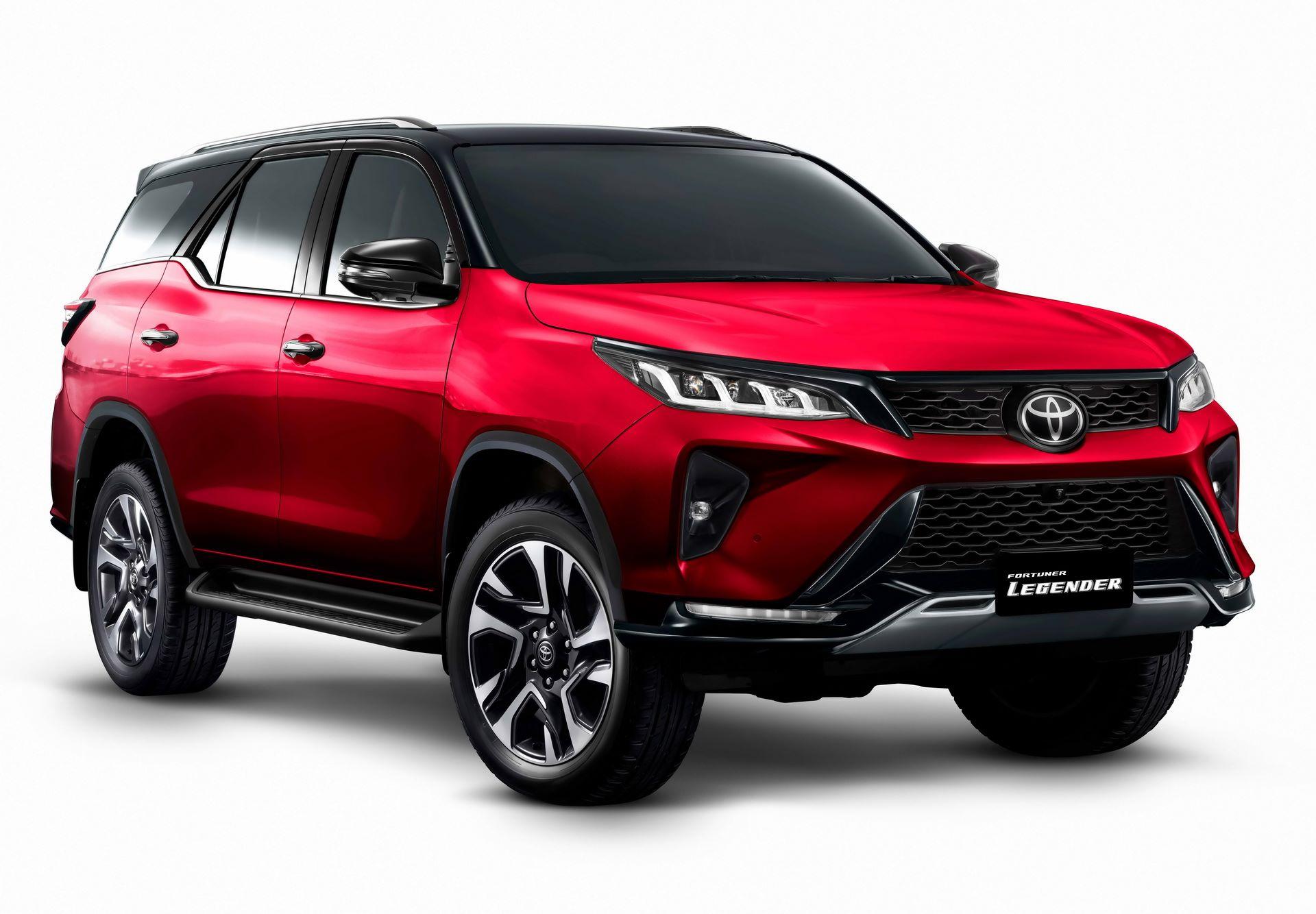 Toyota-Fortuner-2020-16