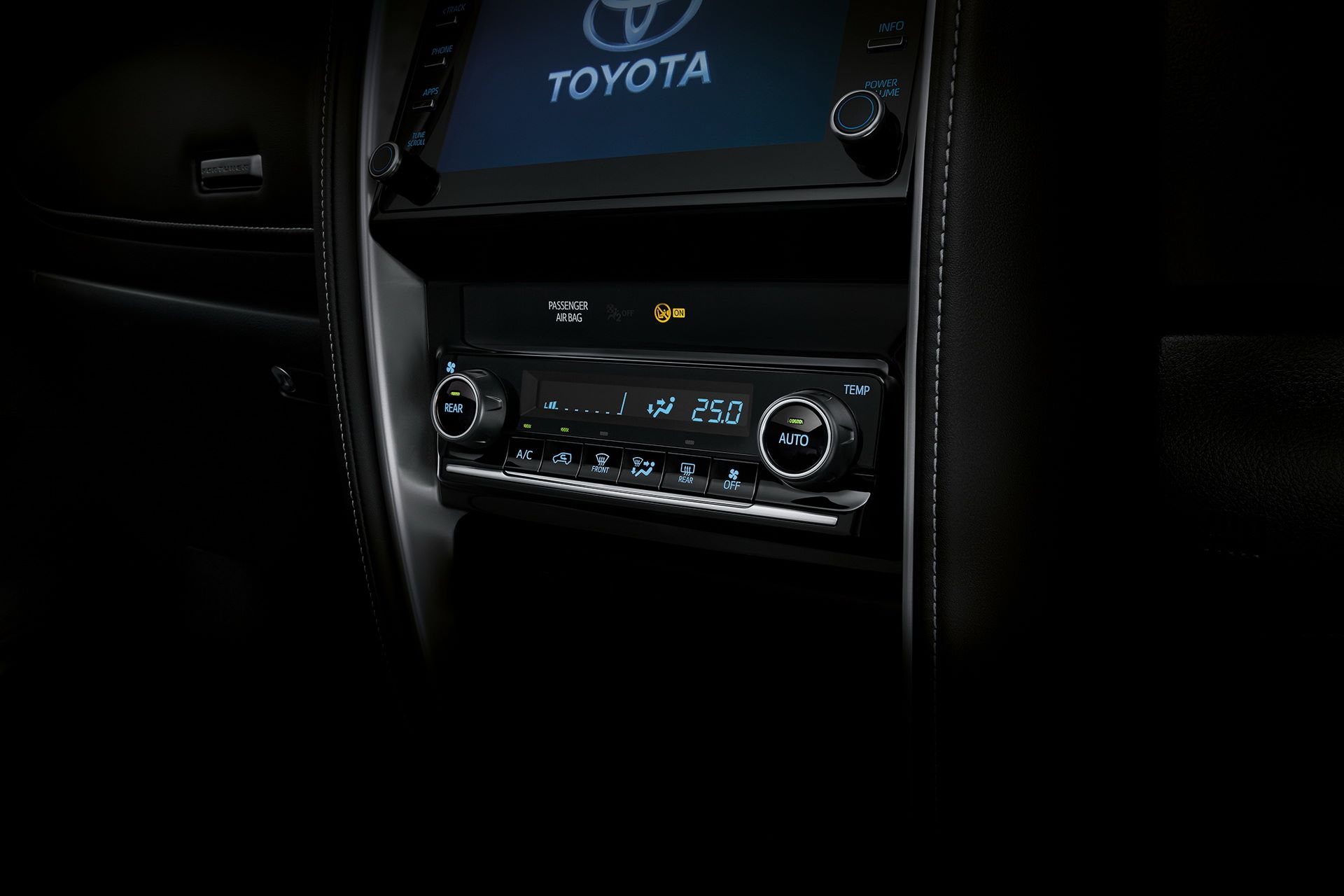 Toyota-Fortuner-2020-28