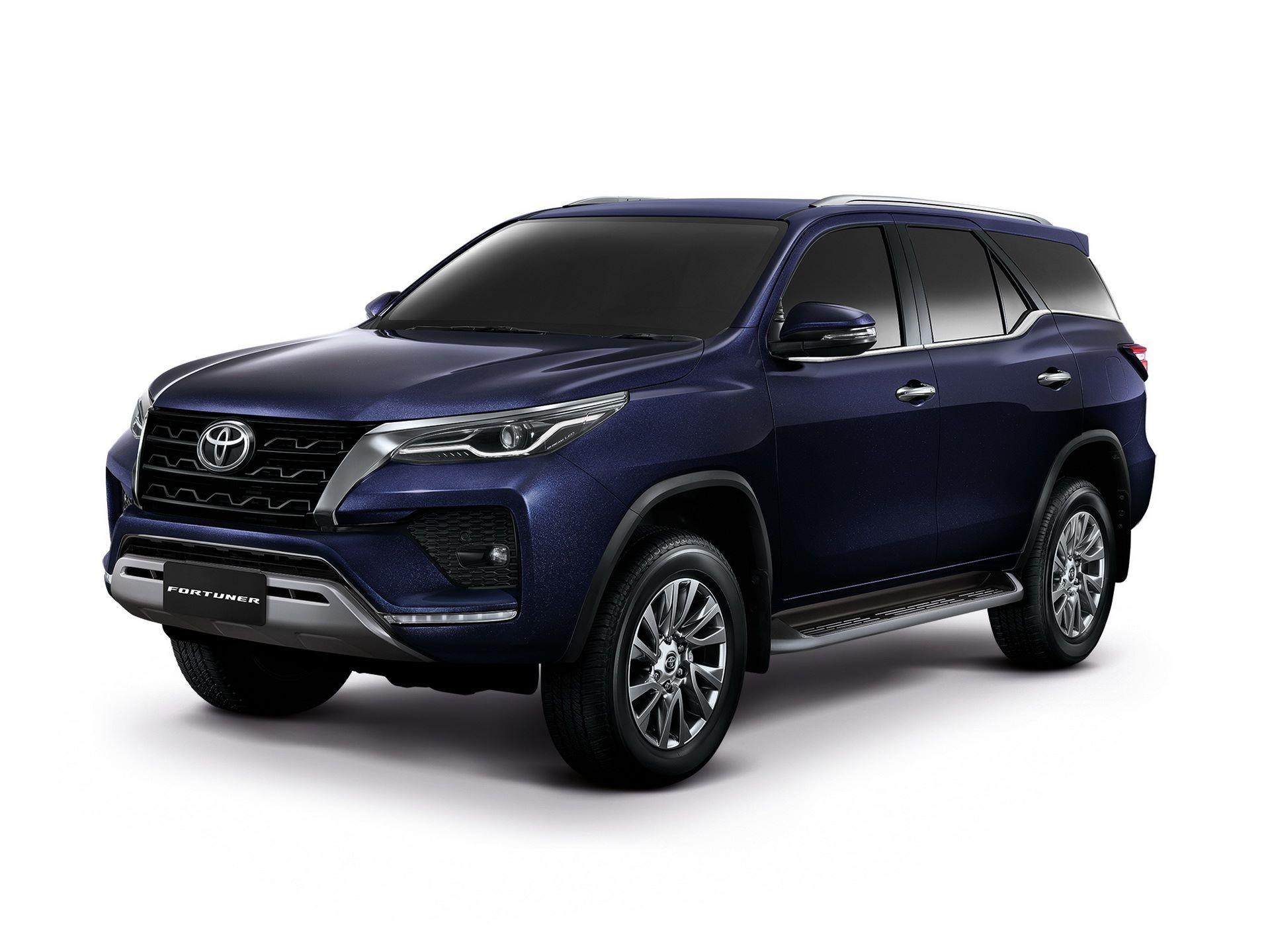 Toyota-Fortuner-2020-7