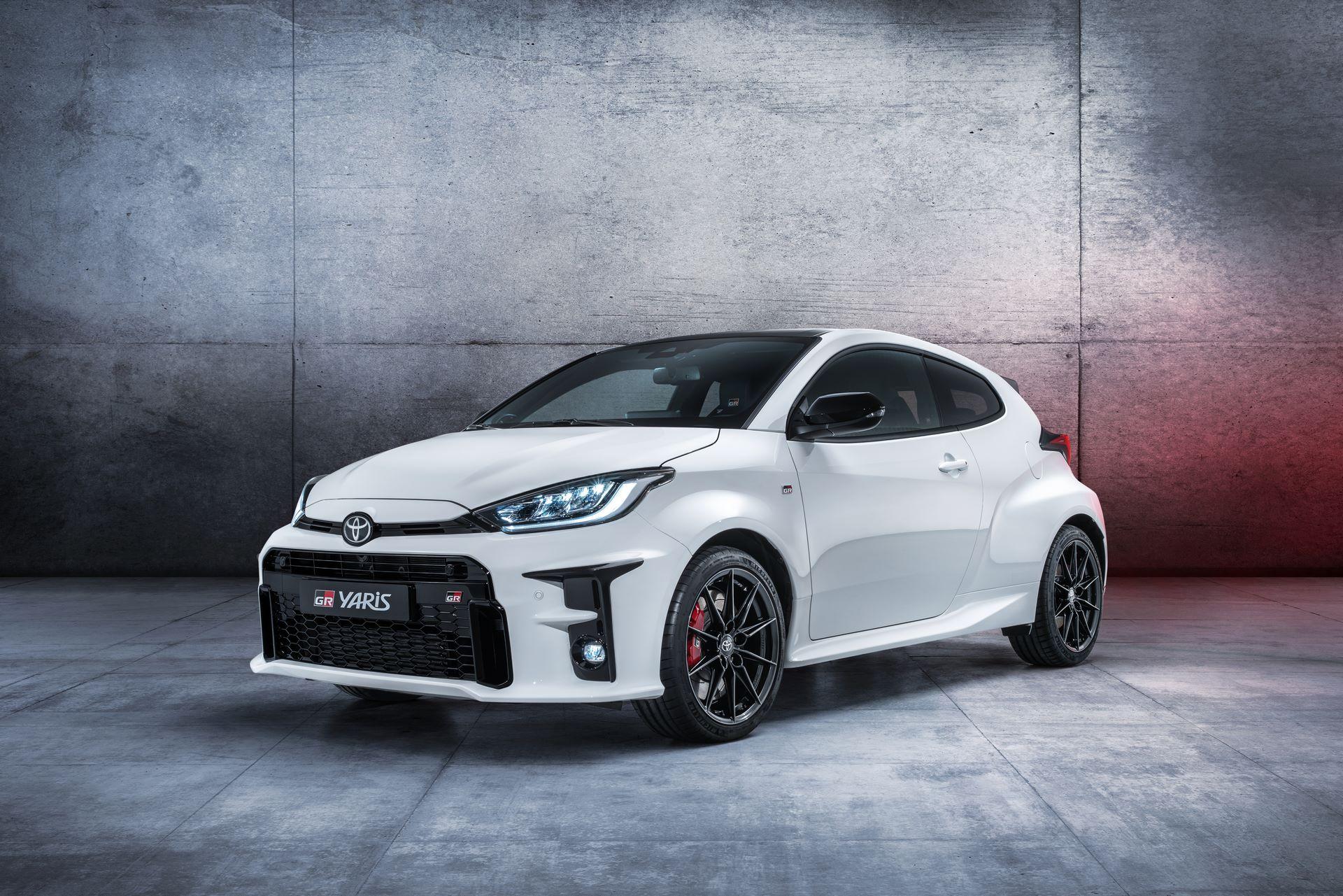 Toyota-GR-Yaris-2020-1