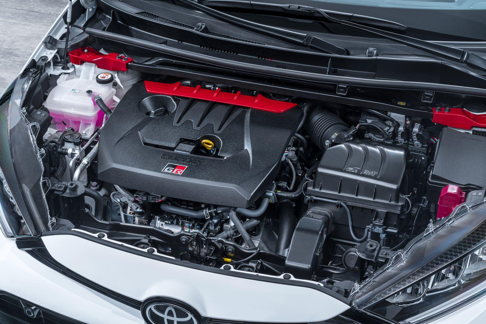 Toyota-GR-Yaris-2020-12