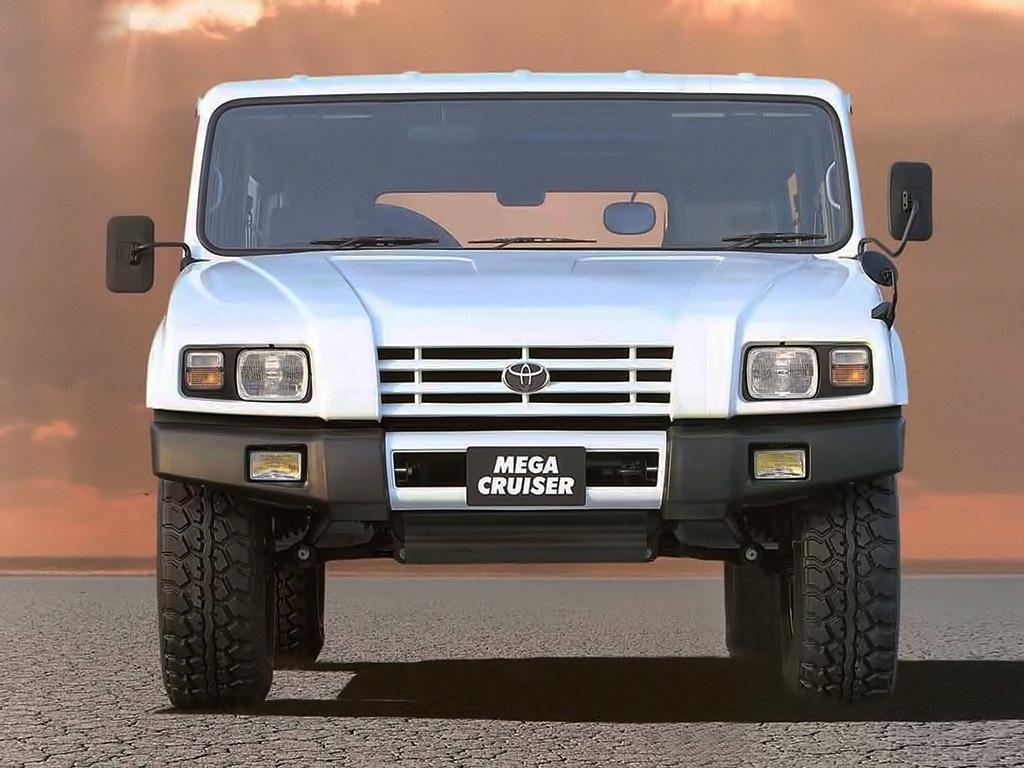 Toyota_Mega_Cruiser_0003