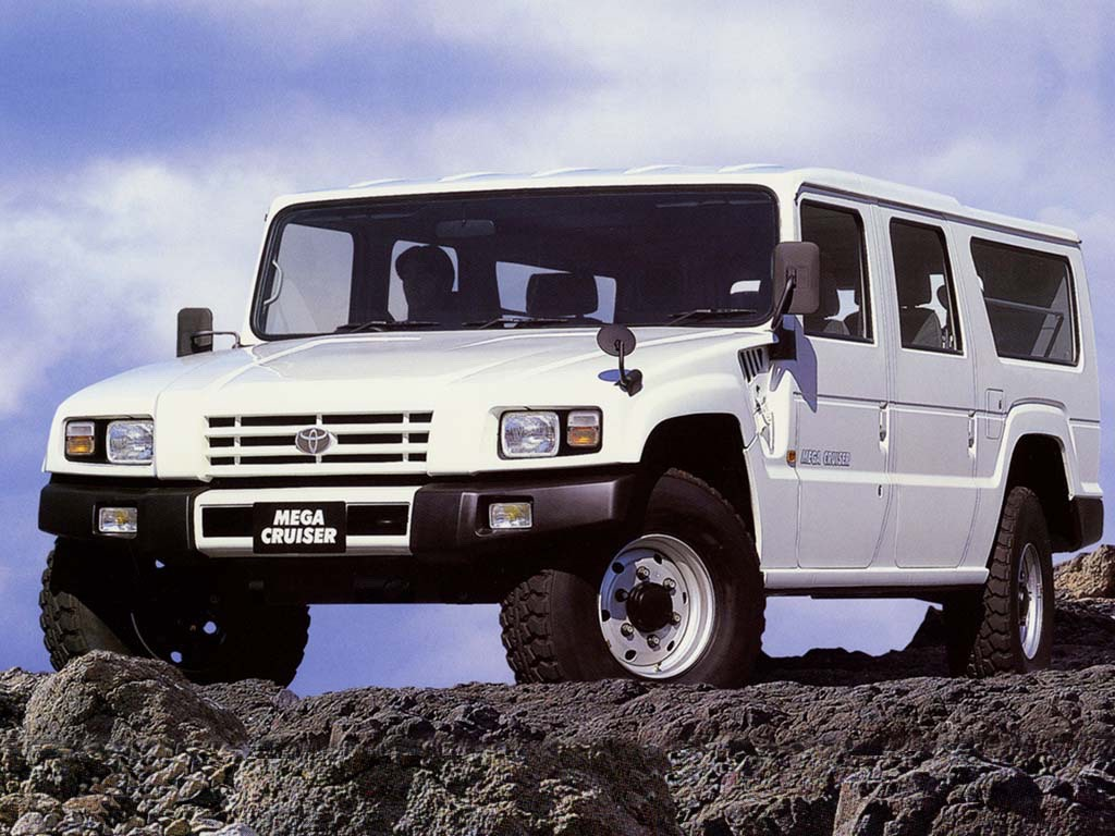 Toyota_Mega_Cruiser_0007