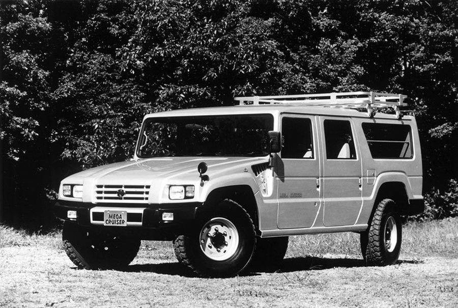 Toyota_Mega_Cruiser_0011
