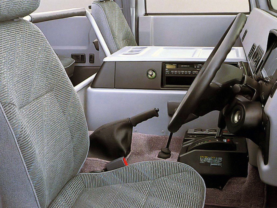 Toyota_Mega_Cruiser_0013