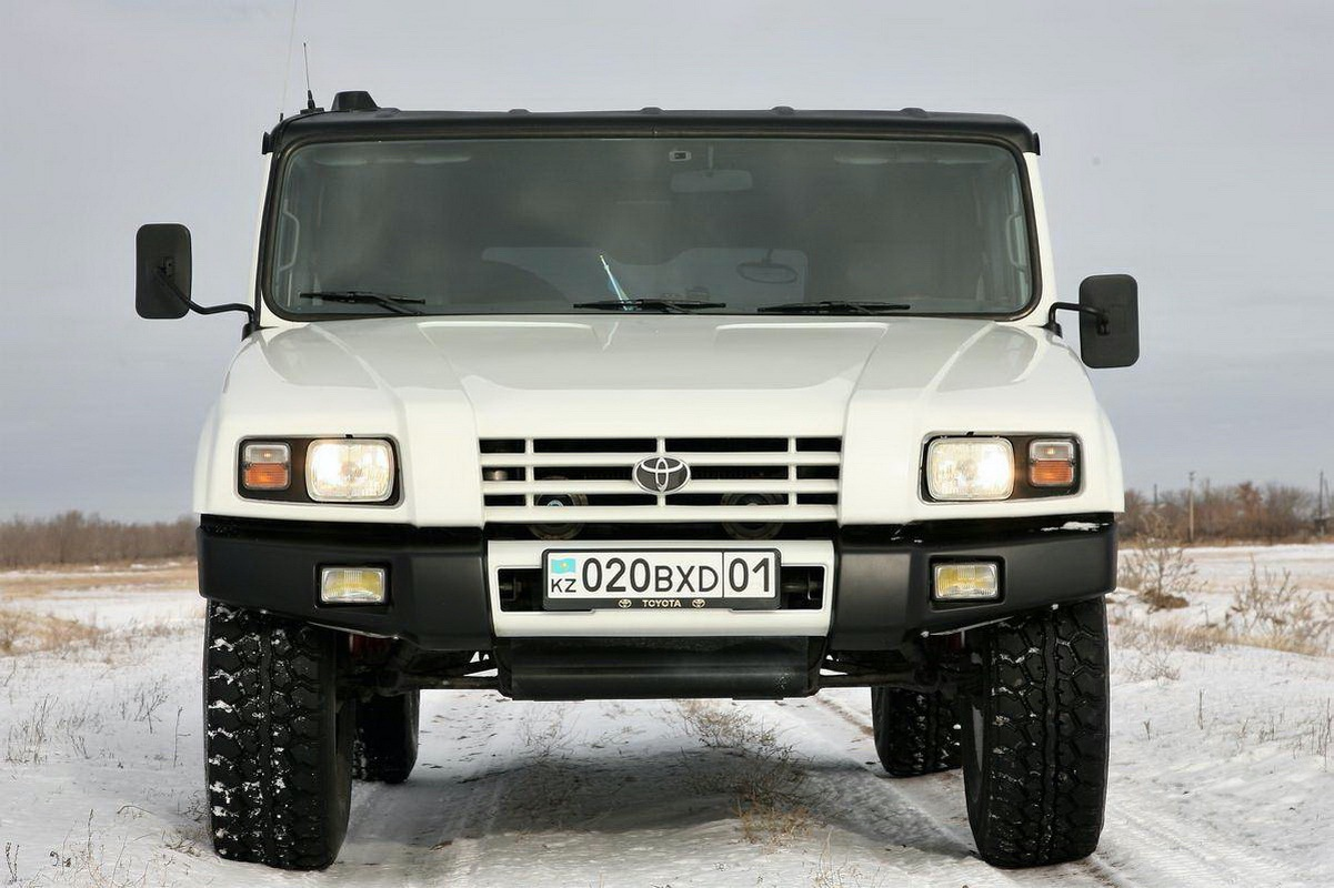 Toyota_Mega_Cruiser_0015