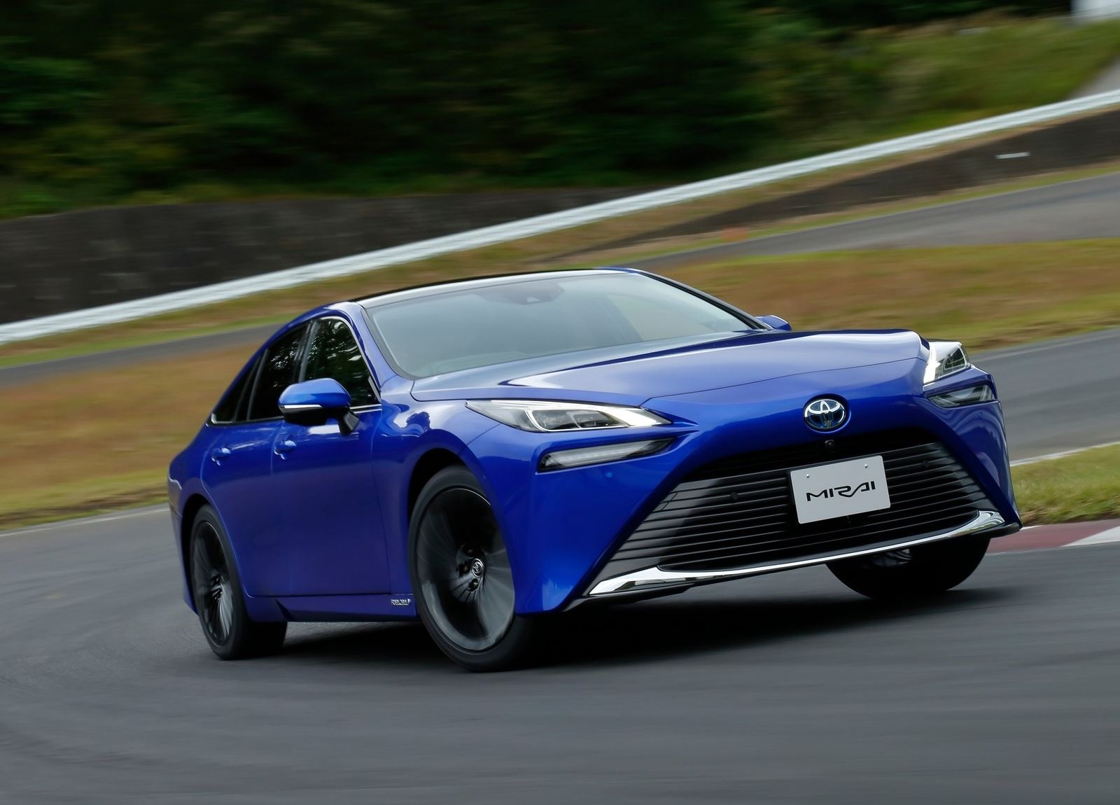 Toyota-Mirai-2021-2
