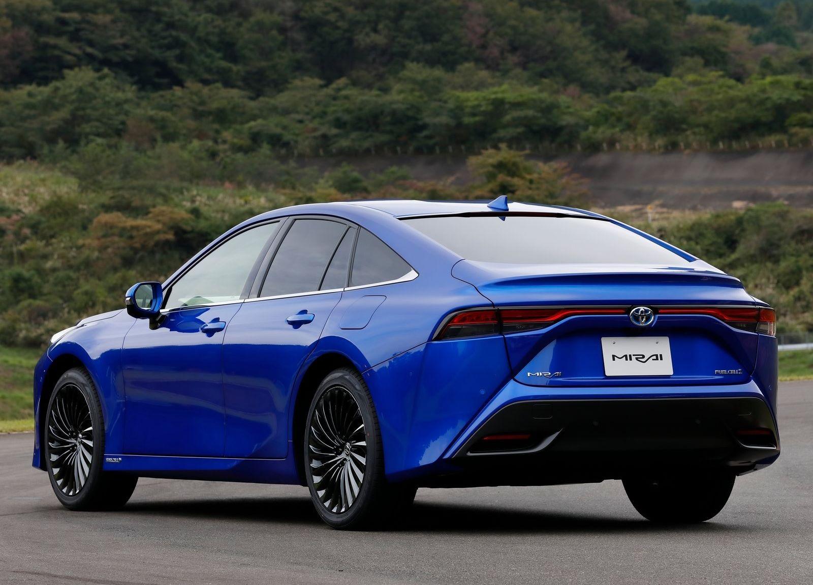 Toyota-Mirai-2021-4