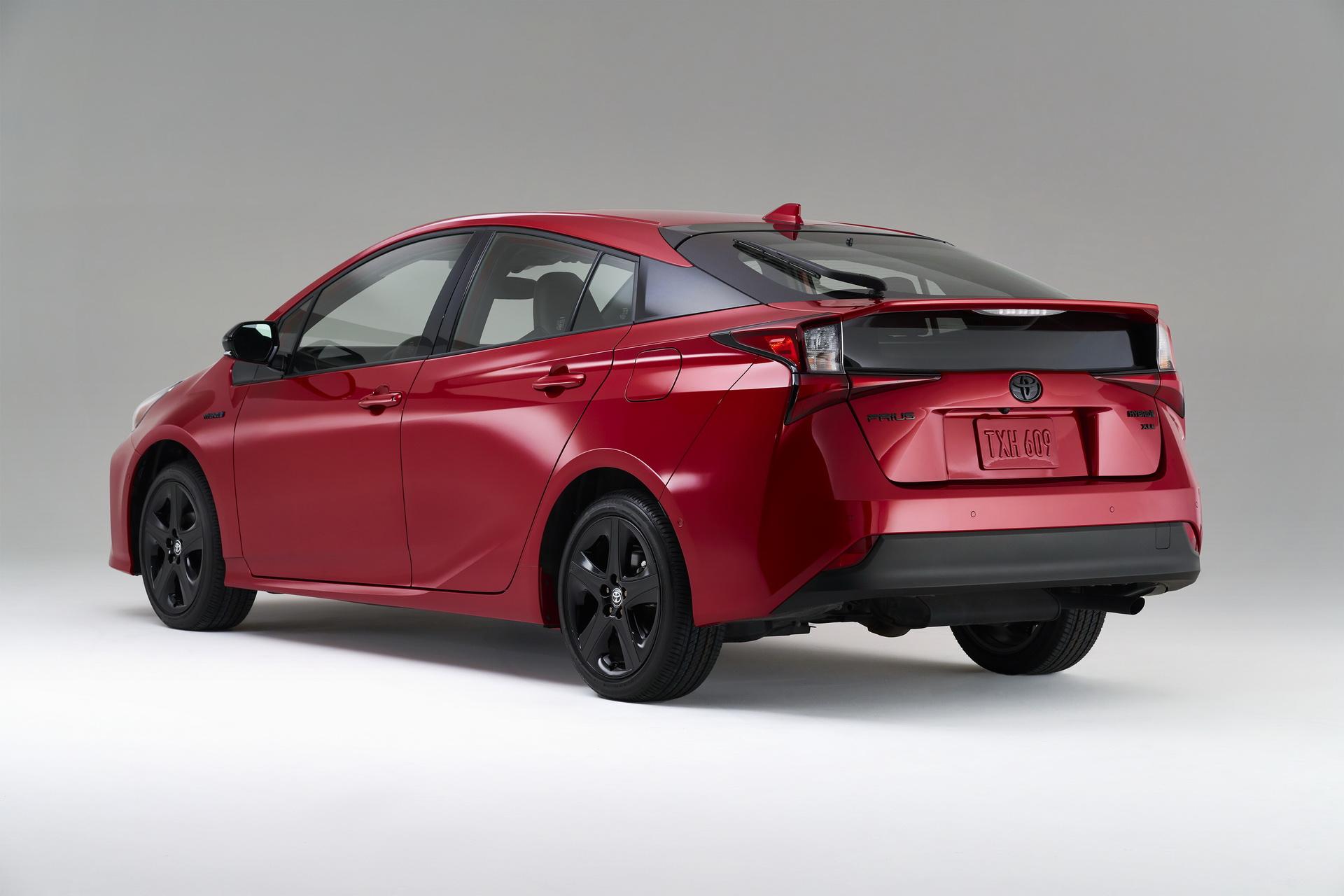 Toyota-Prius-2020-Edition-2