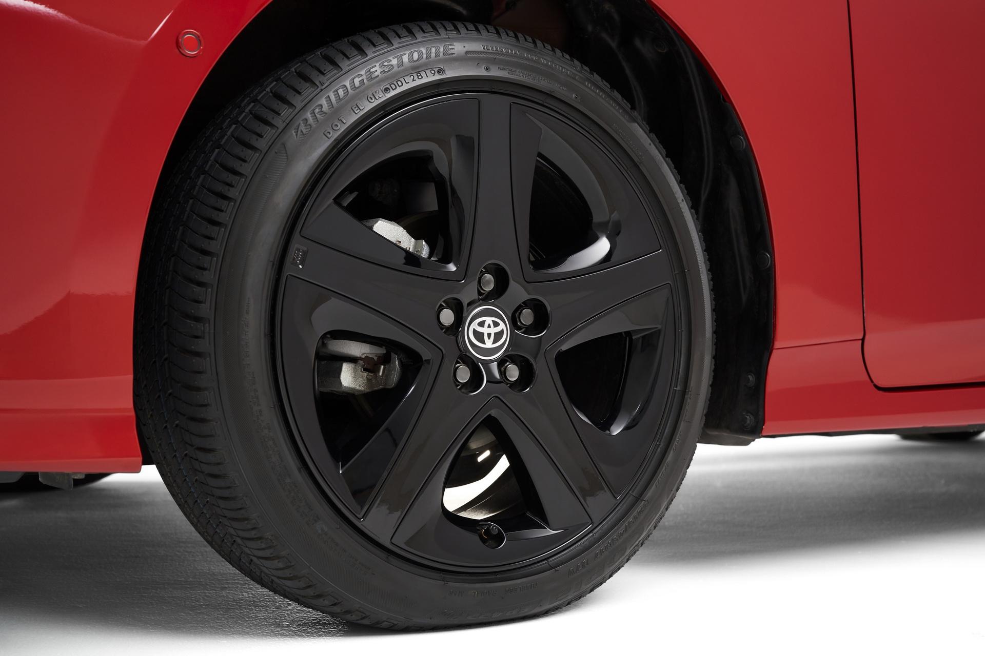 Toyota-Prius-2020-Edition-5