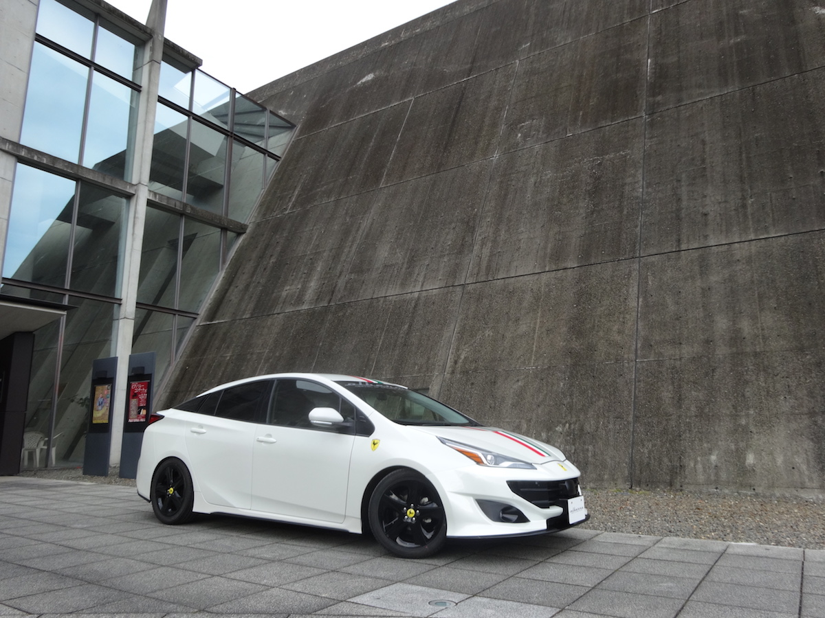 Toyota-Prius-by-Albermo-12