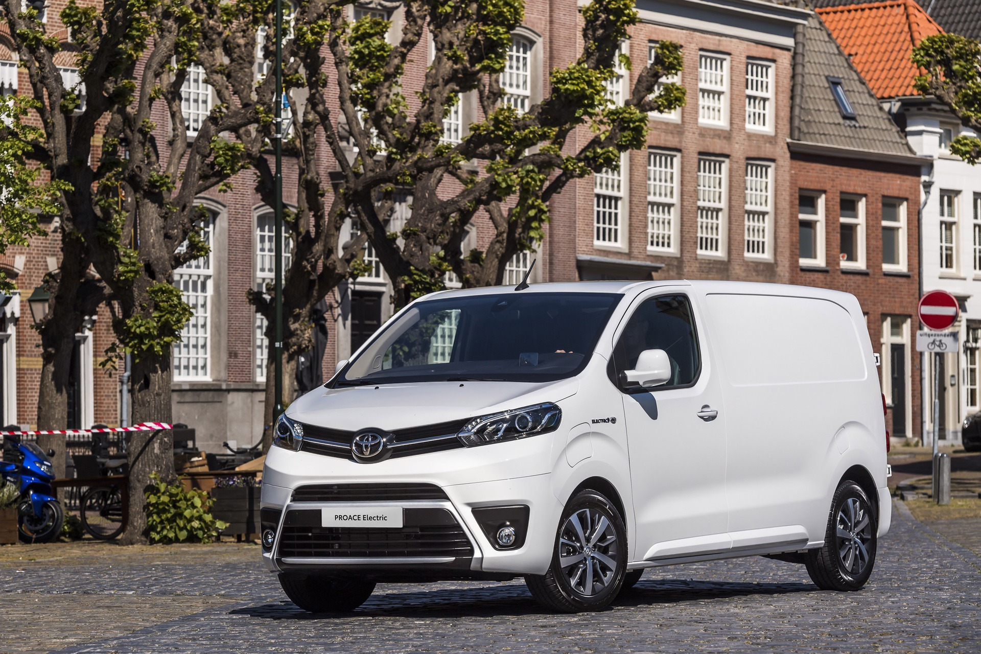 Toyota_Proace_electric_0002