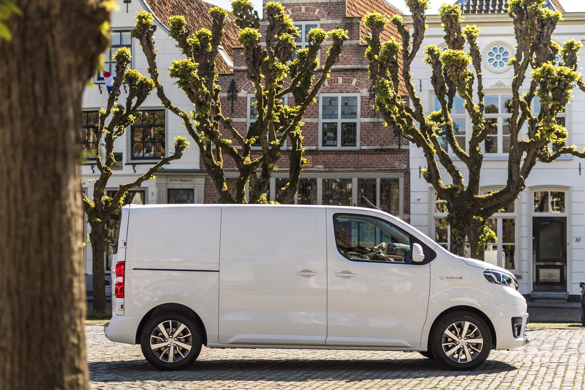 Toyota_Proace_electric_0003
