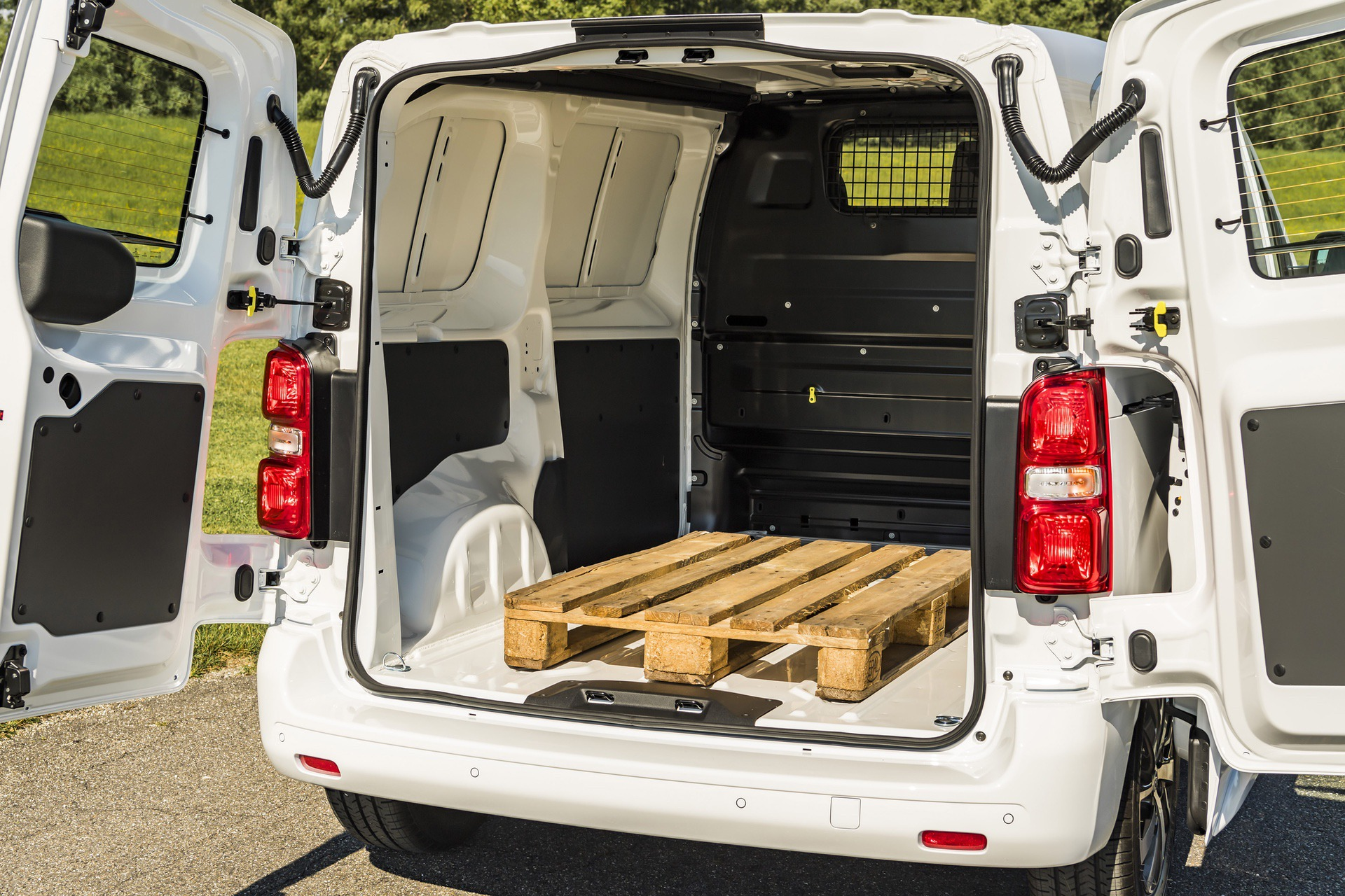 Toyota_Proace_electric_0014