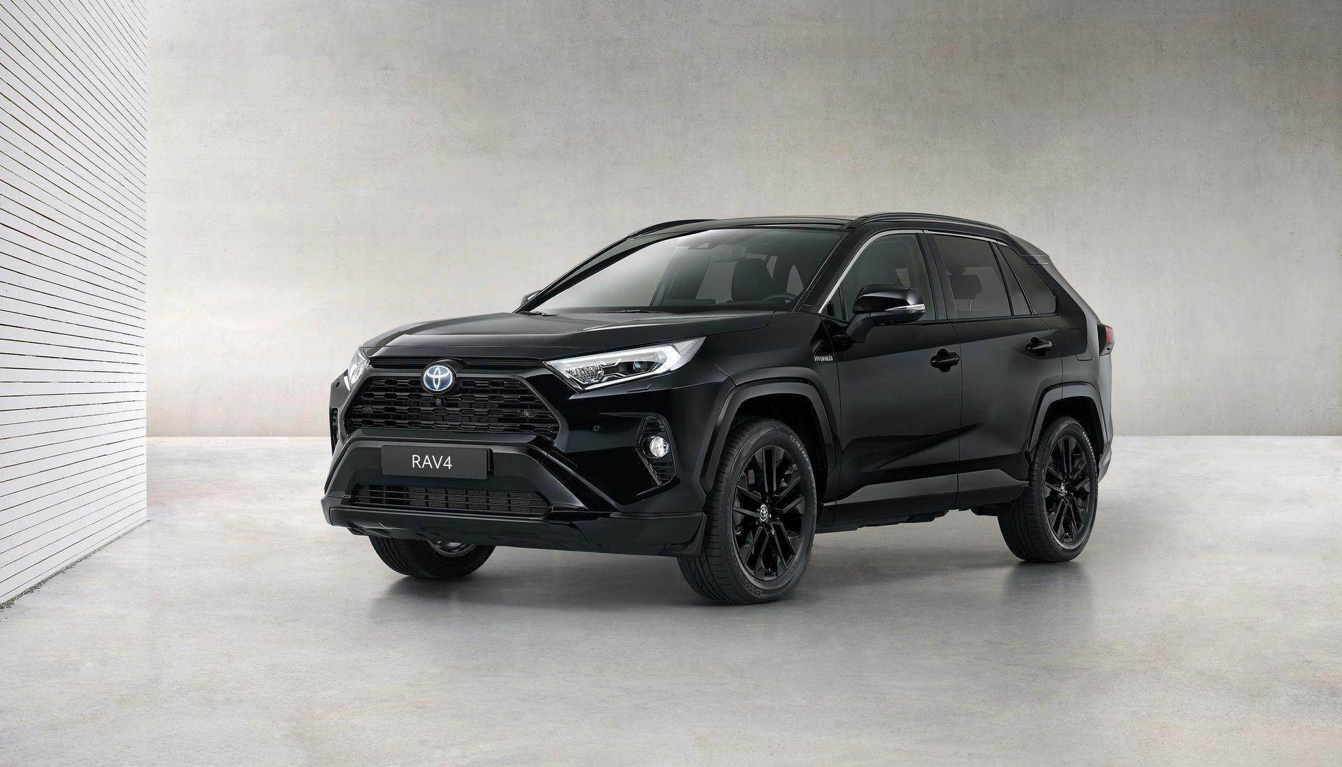 Toyota_RAV4_Hybrid_Black_Edition_0004