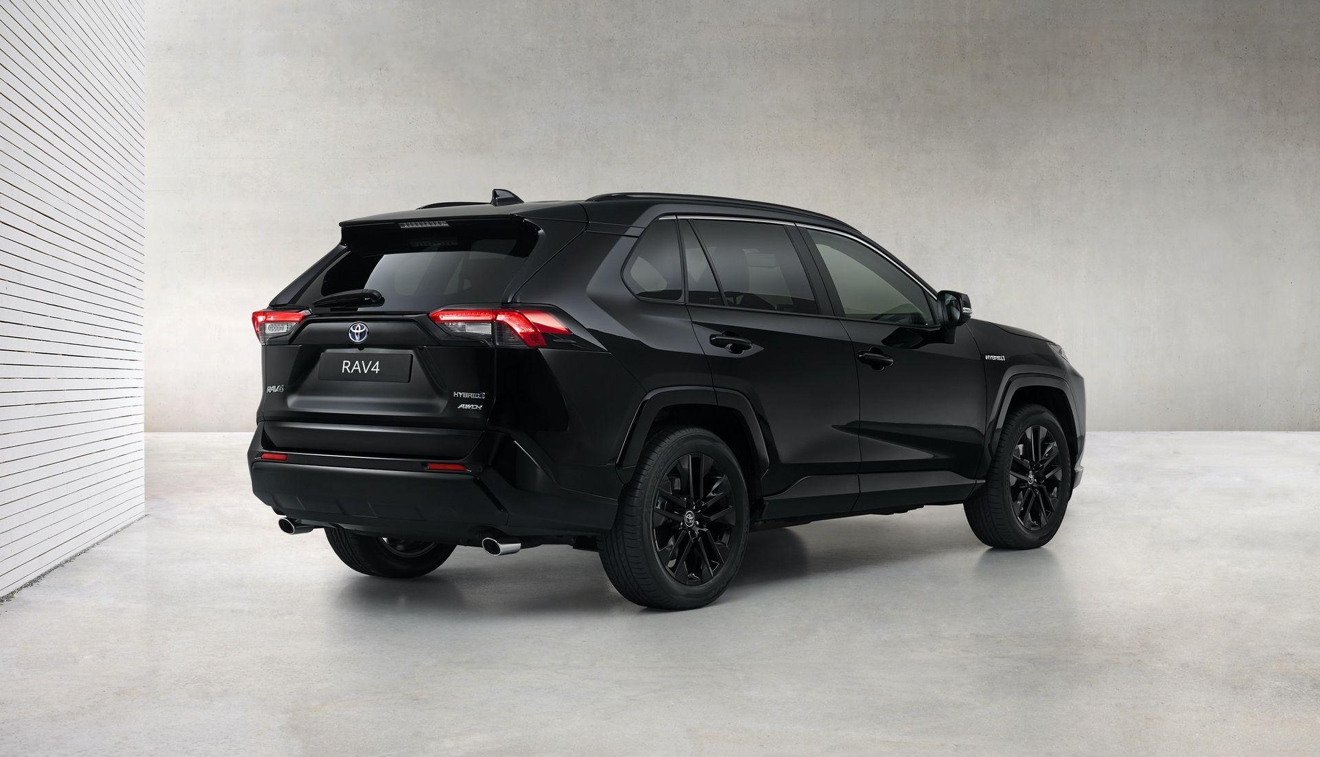 Toyota_RAV4_Hybrid_Black_Edition_0005