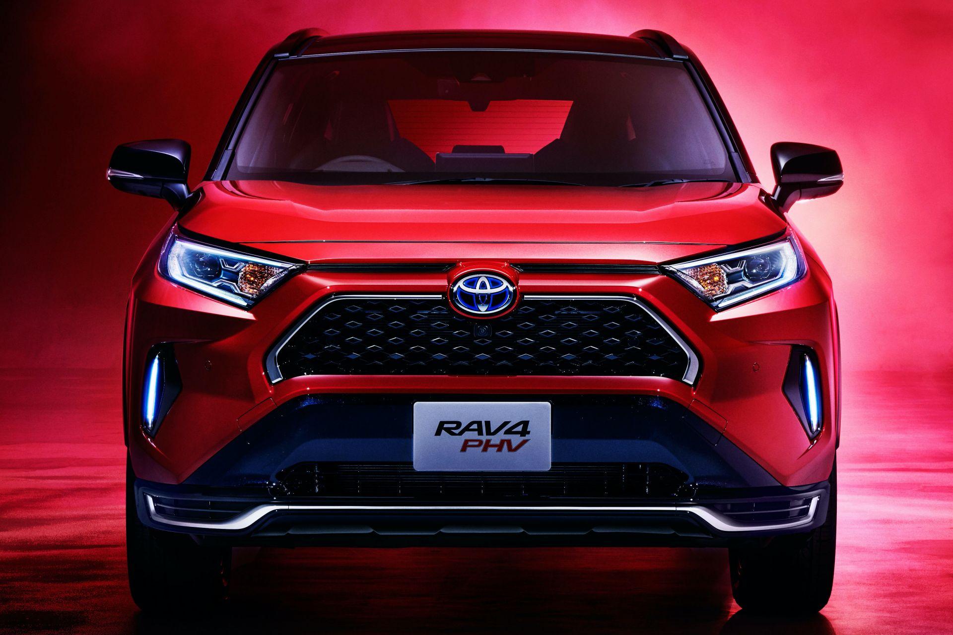 Toyota_RAV4_PHV_JDM_0000