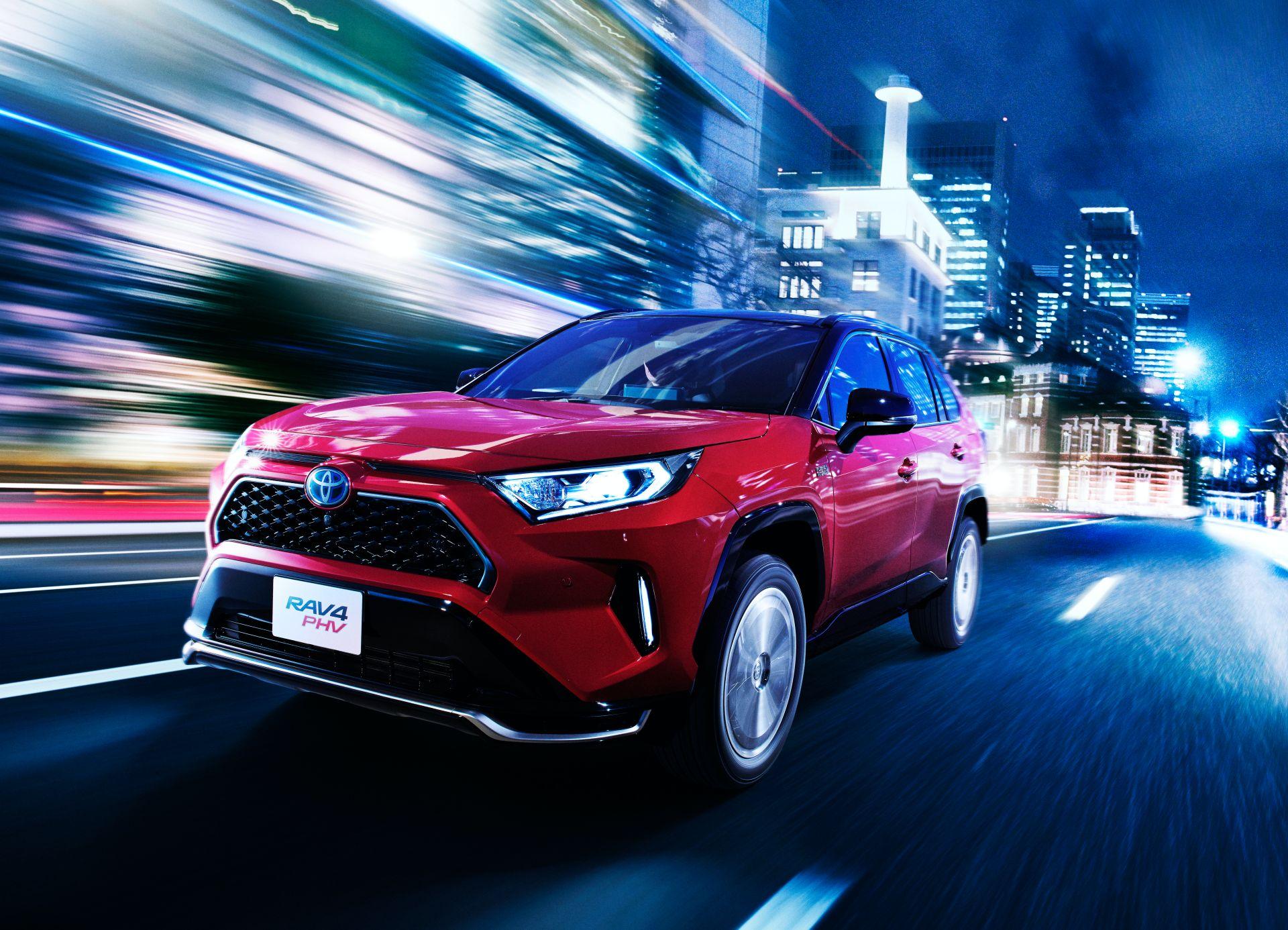 Toyota_RAV4_PHV_JDM_0003