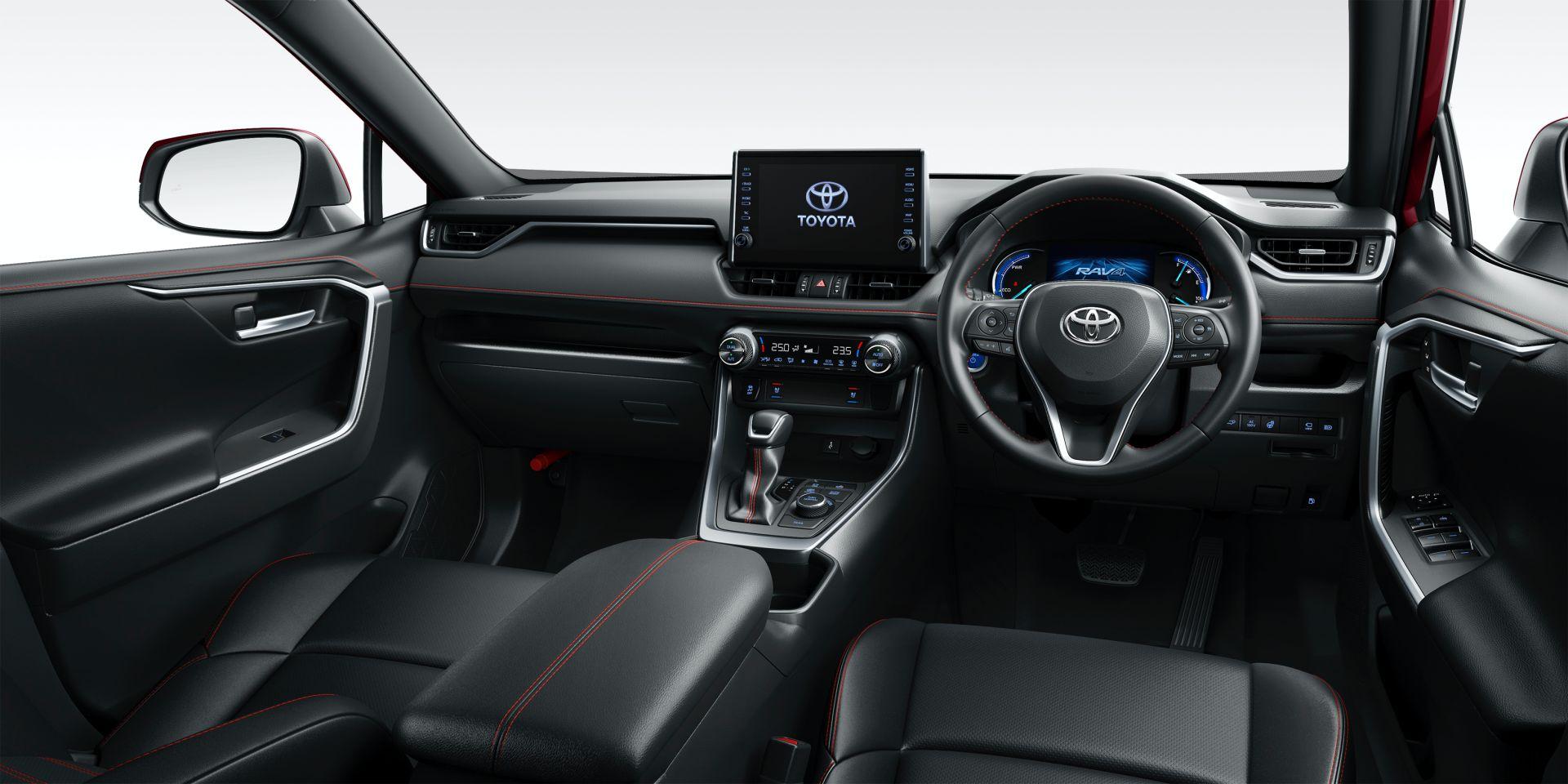 Toyota_RAV4_PHV_JDM_0029