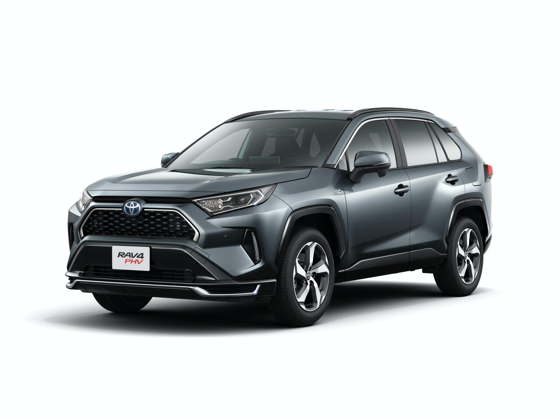 Toyota_RAV4_PHV_JDM_0031