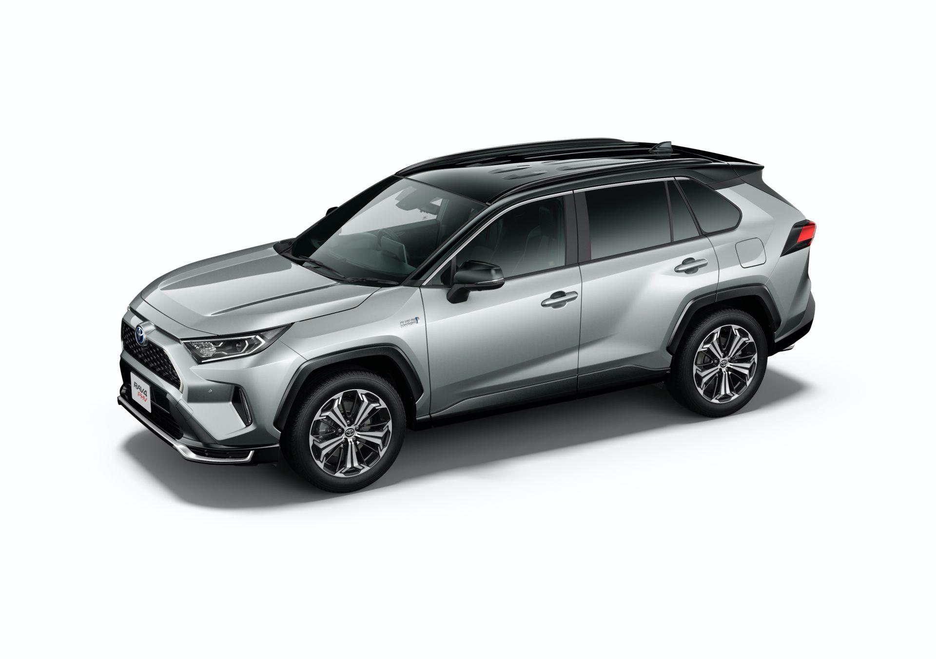 Toyota_RAV4_PHV_JDM_0036