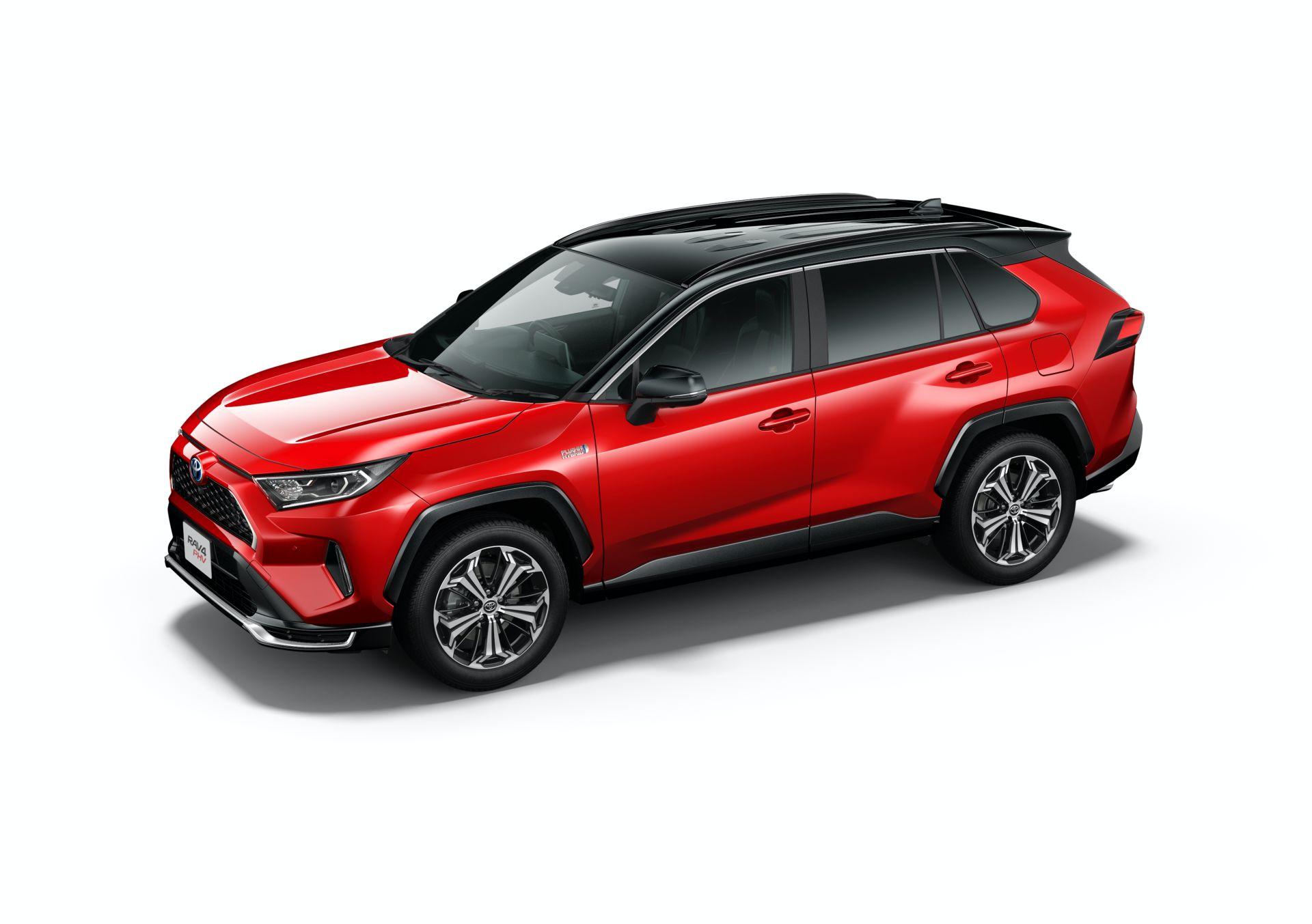 Toyota_RAV4_PHV_JDM_0038