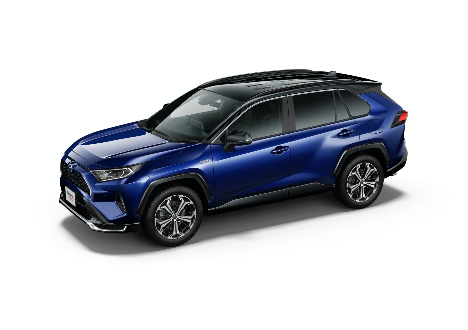 Toyota_RAV4_PHV_JDM_0039