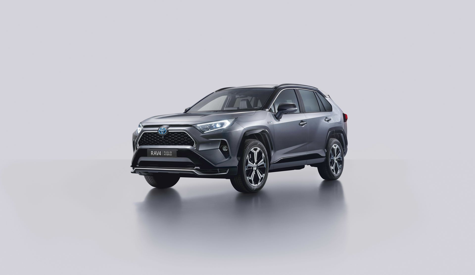 Toyota-RAV4-Plug-in-Hybrid-Europe-1
