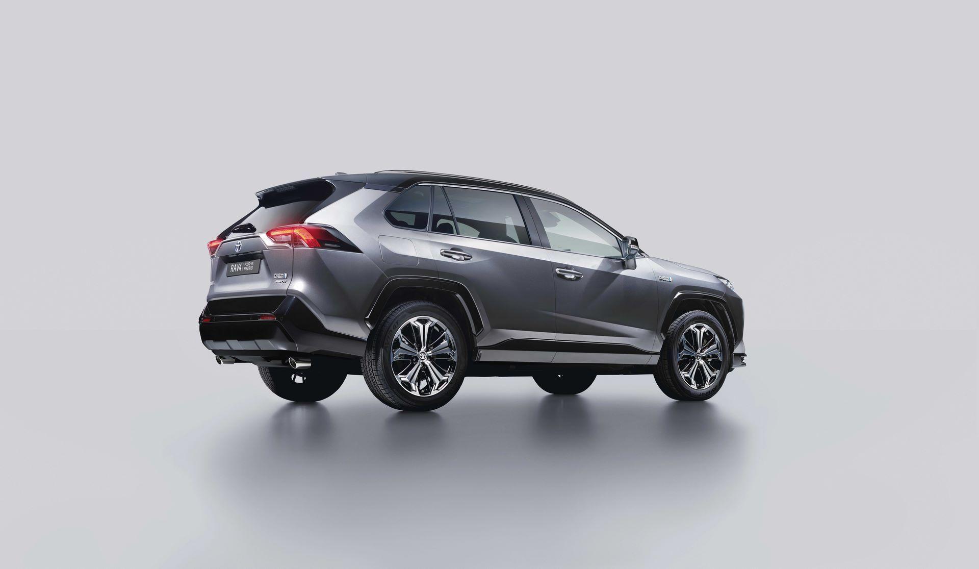 Toyota-RAV4-Plug-in-Hybrid-Europe-11