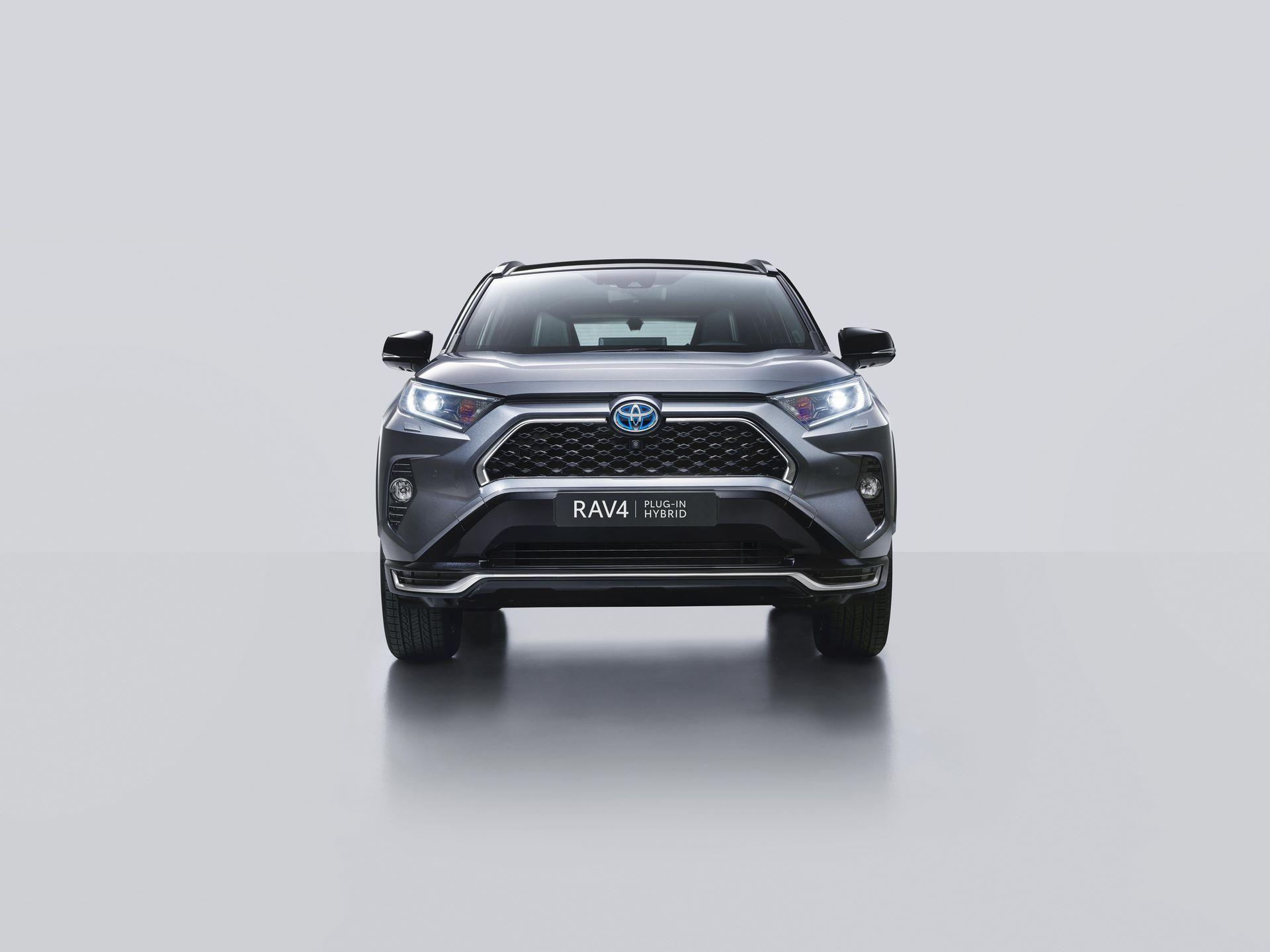 Toyota-RAV4-Plug-in-Hybrid-Europe-2