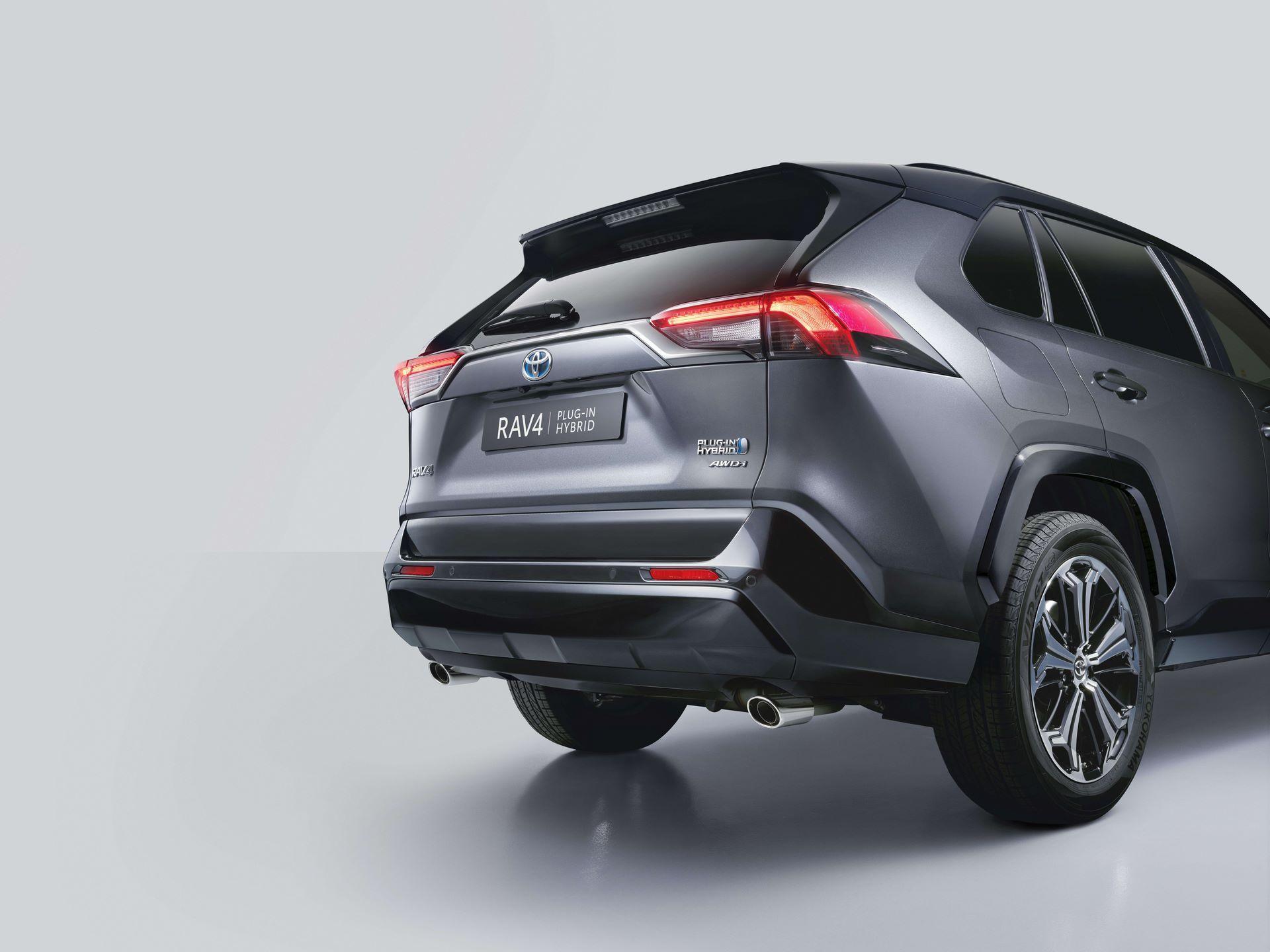 Toyota-RAV4-Plug-in-Hybrid-Europe-4