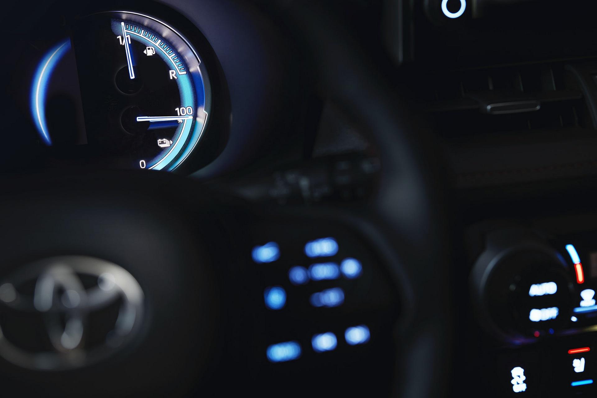Toyota-RAV4-Plug-in-Hybrid-Europe-6