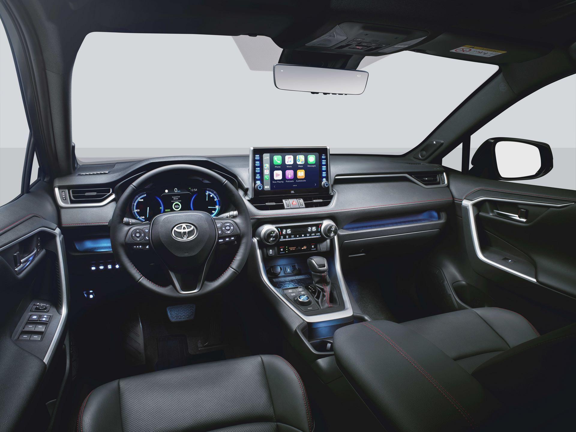 Toyota-RAV4-Plug-in-Hybrid-Europe-8