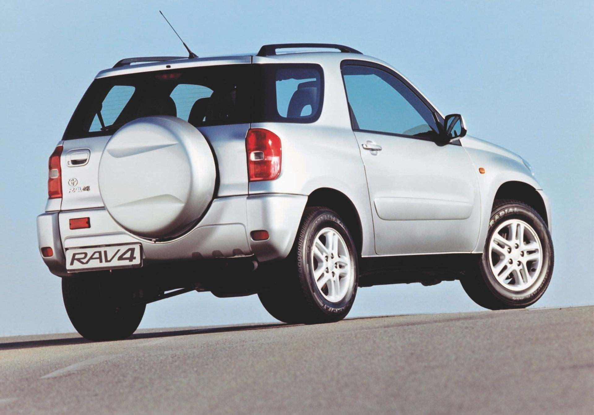 rav4-2nd-generation-03