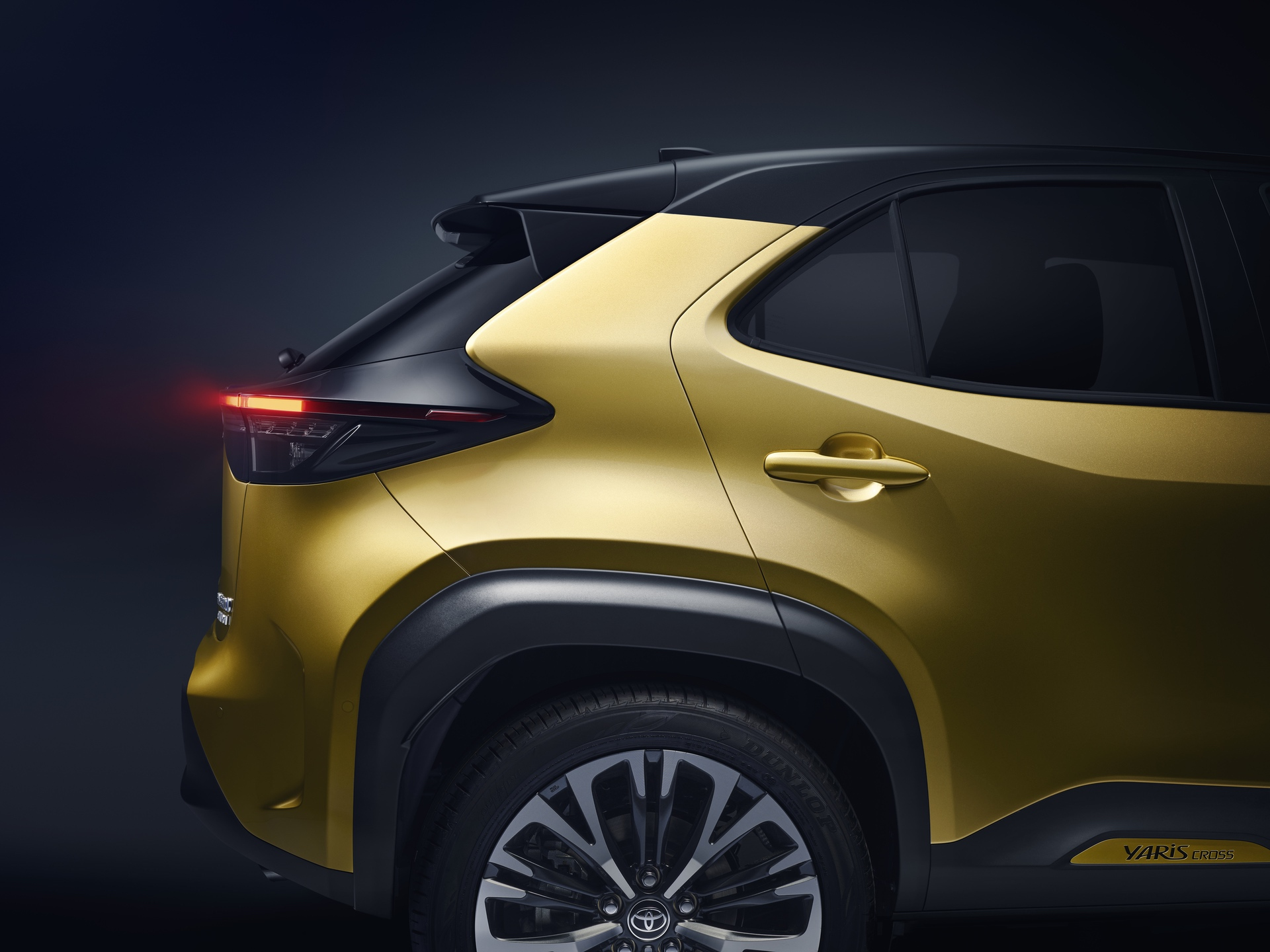 TOYOTA_NEW_YARIS_CROSS_REAR_RIGHT_DETAIL