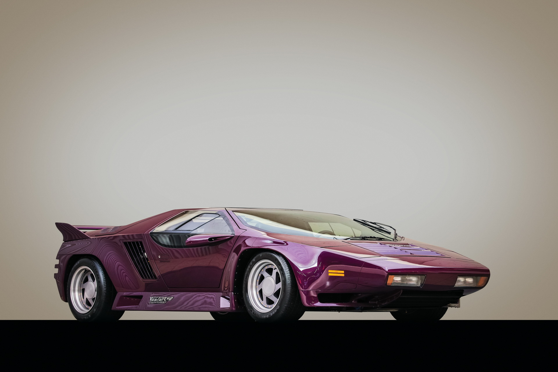 1991-Vector-W8-Twin-Turbo-_01