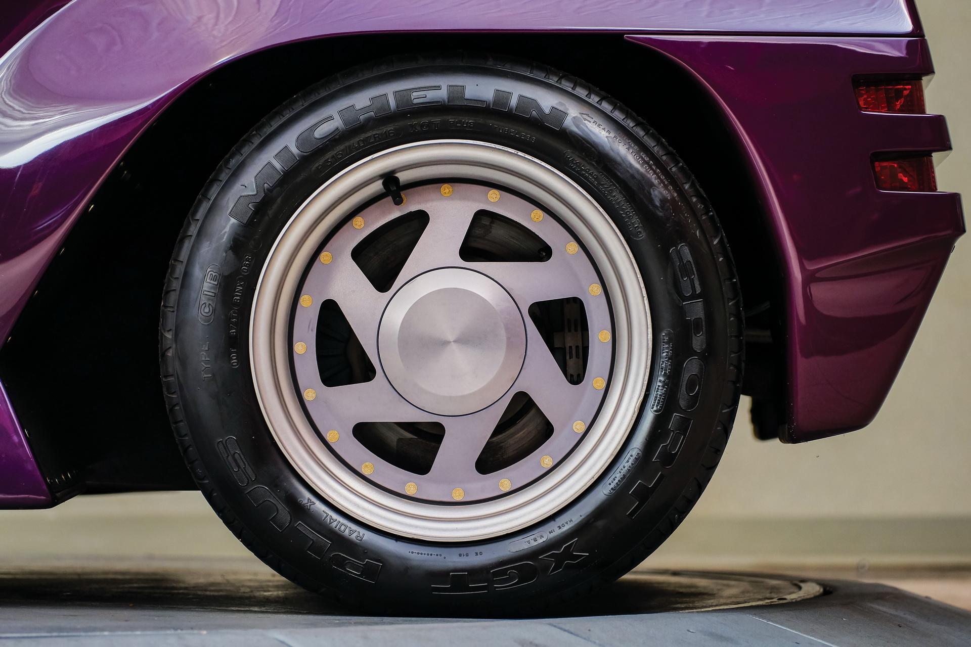 1991-Vector-W8-Twin-Turbo-_09
