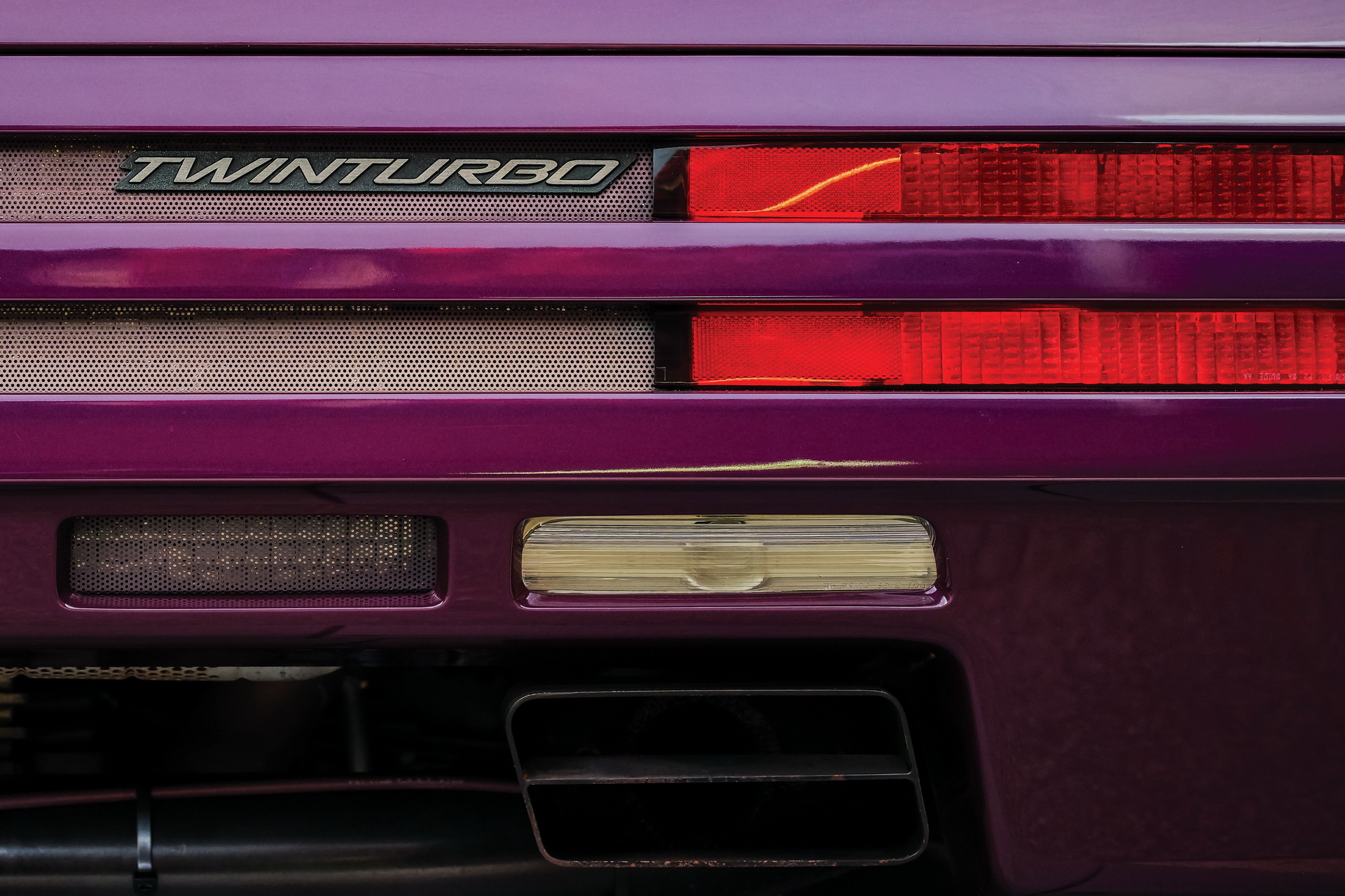 1991-Vector-W8-Twin-Turbo-_12