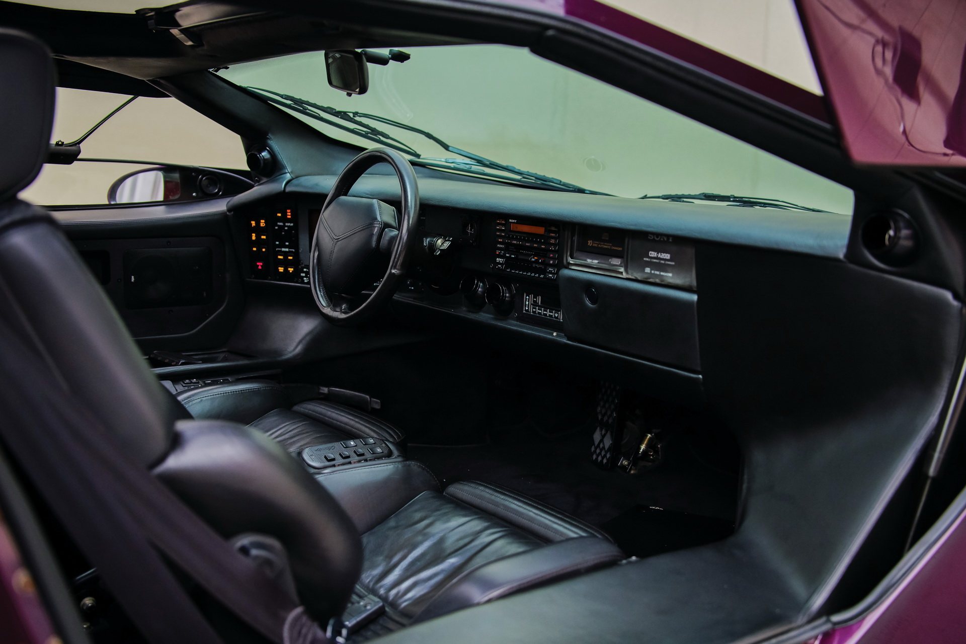 1991-Vector-W8-Twin-Turbo-_16