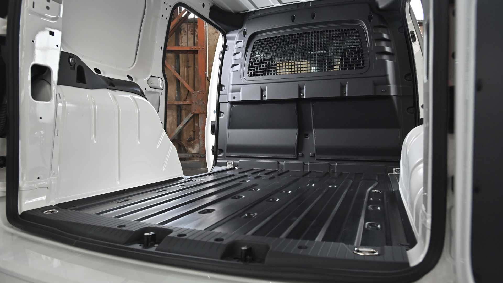 vw-caddy-cargo-2020-18