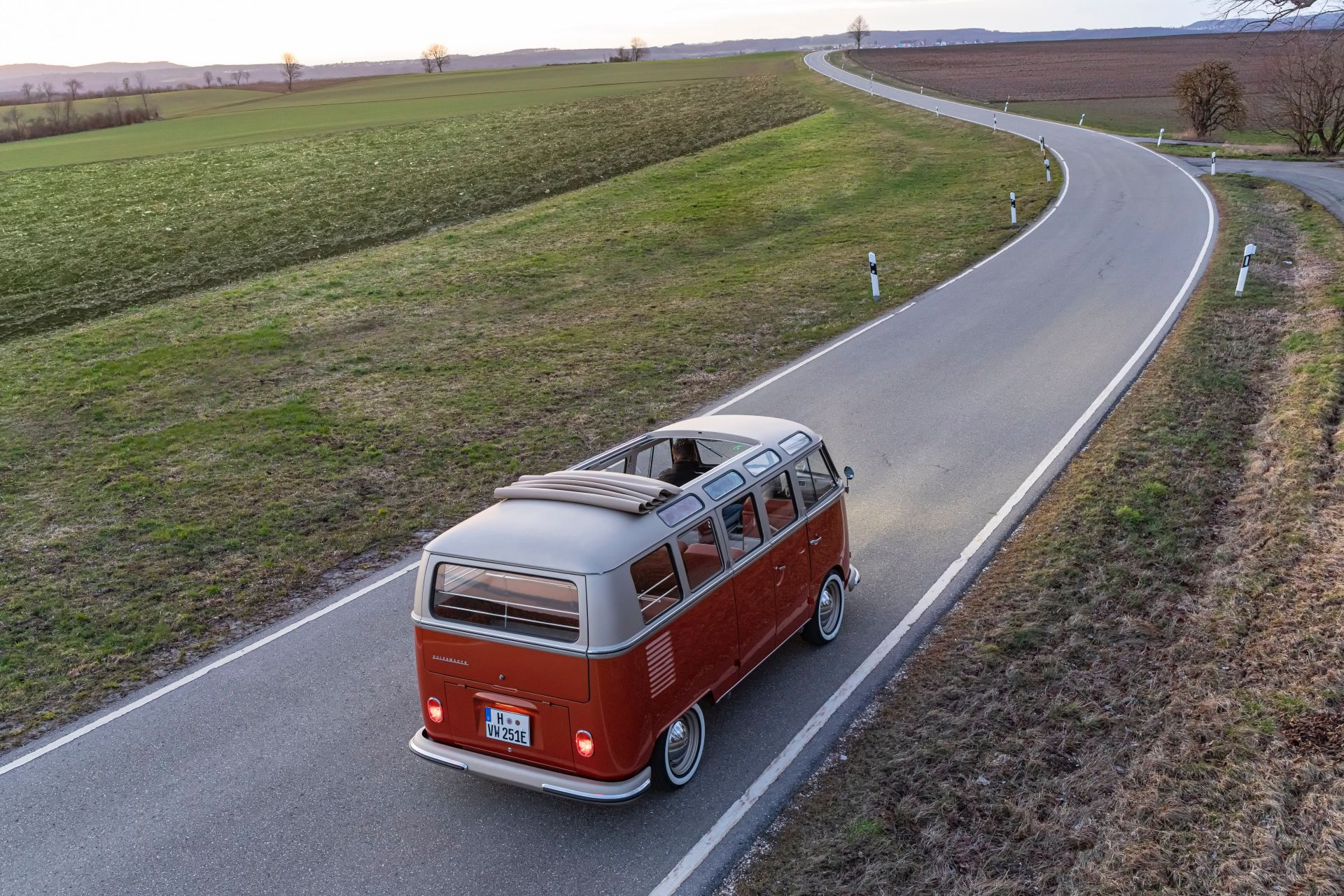 VW-e-Bulli-Concept-6