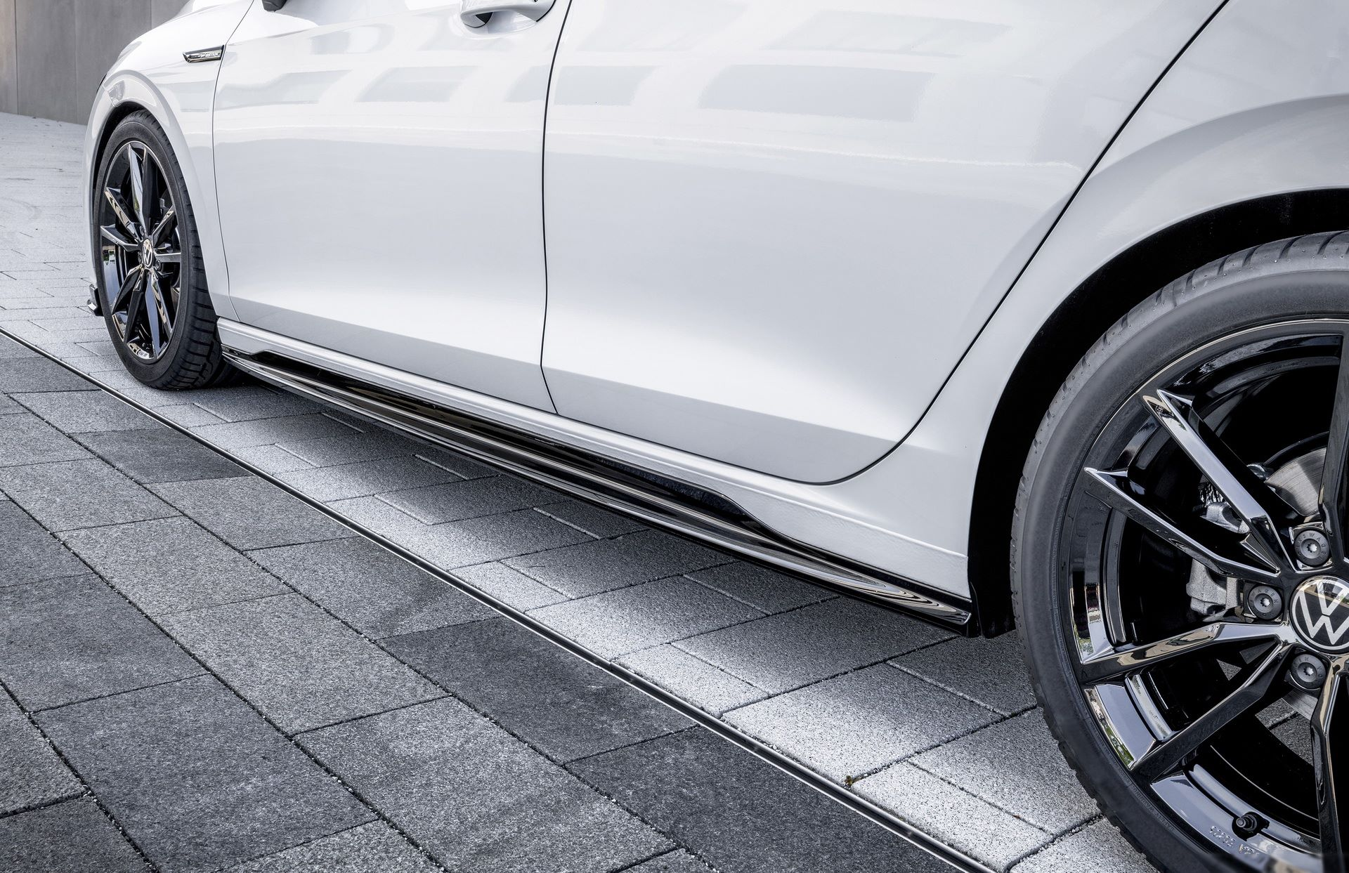 Volkswagen-Golf-8-by-Oettinger-12