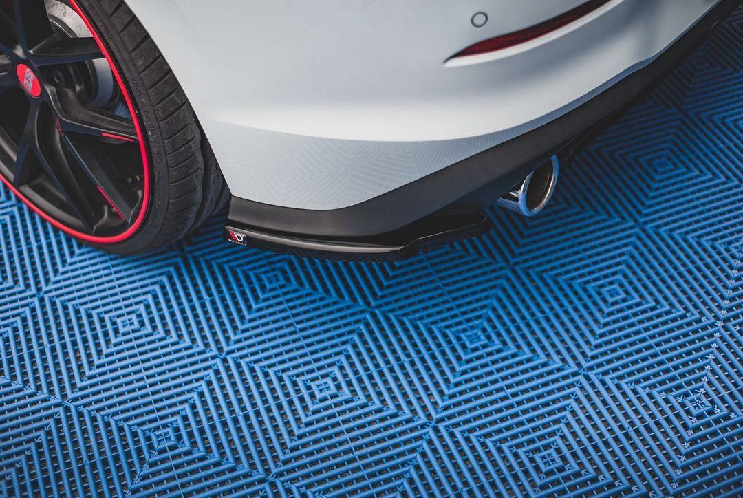 Volkswagen-Golf-GTI-by-Maxton-Design-10