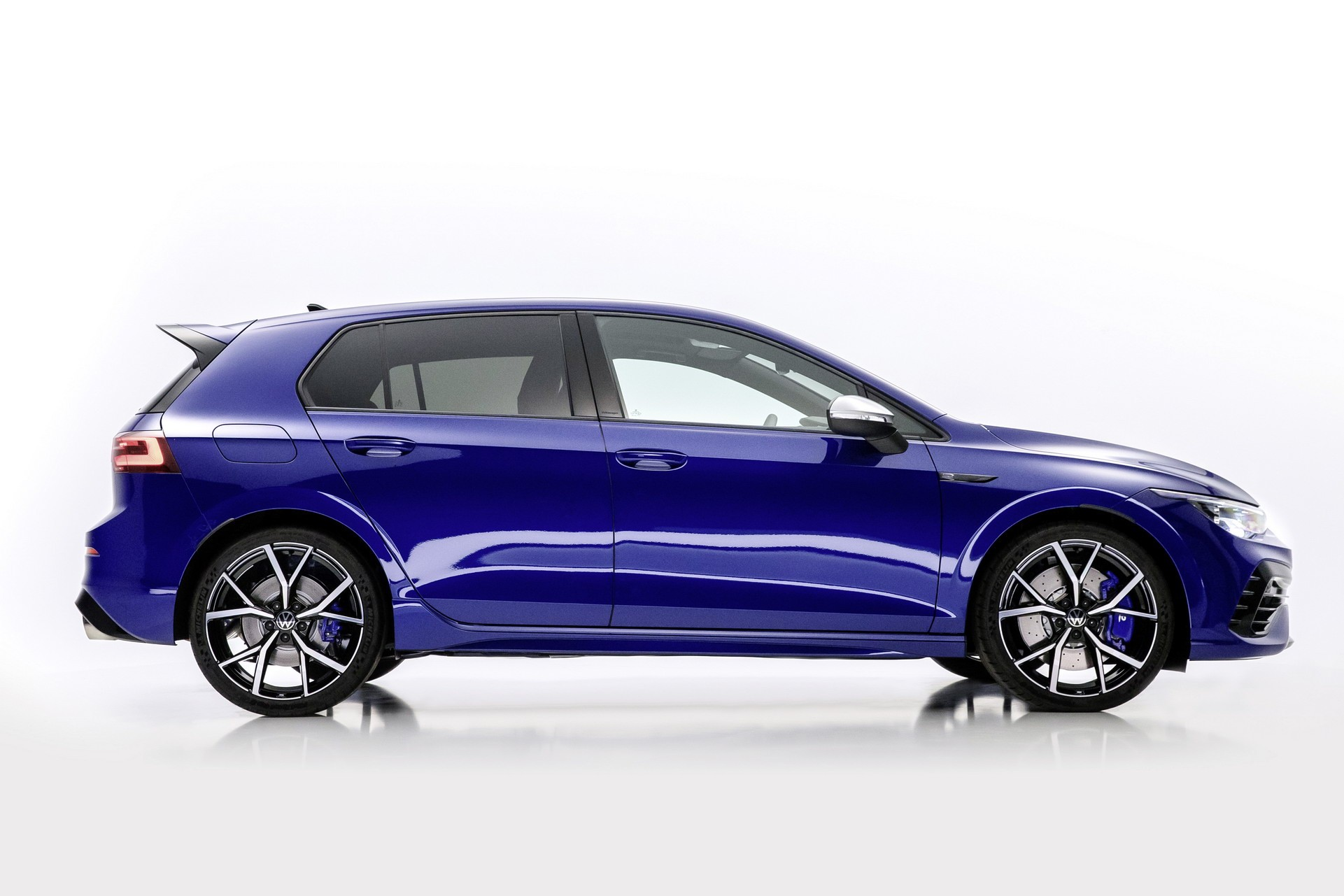 Volkswagen-Golf-R-4