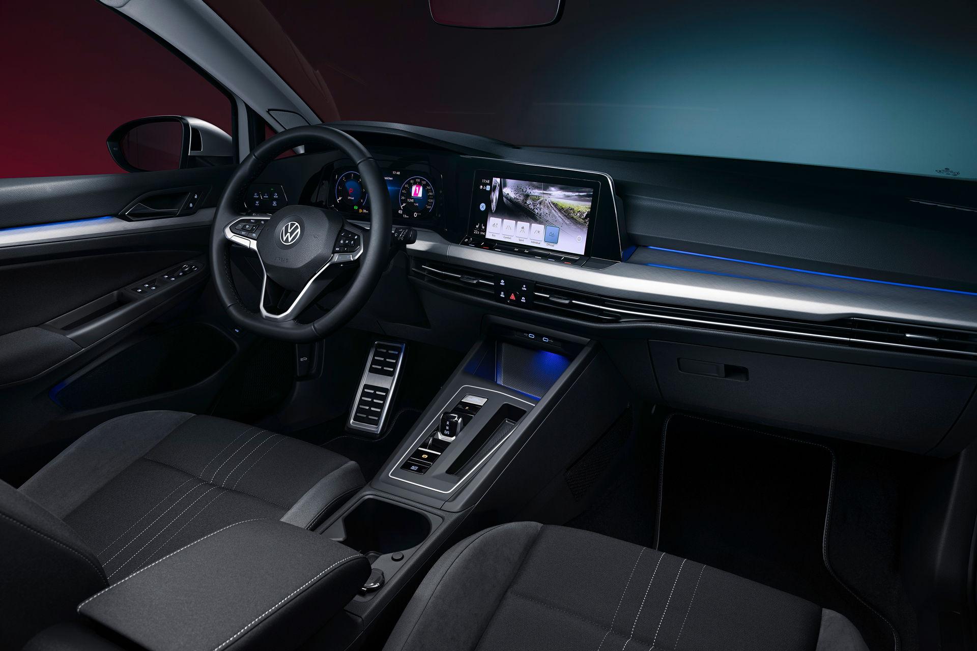 VW-Golf-Estate-And-Golf-Alltrack-1