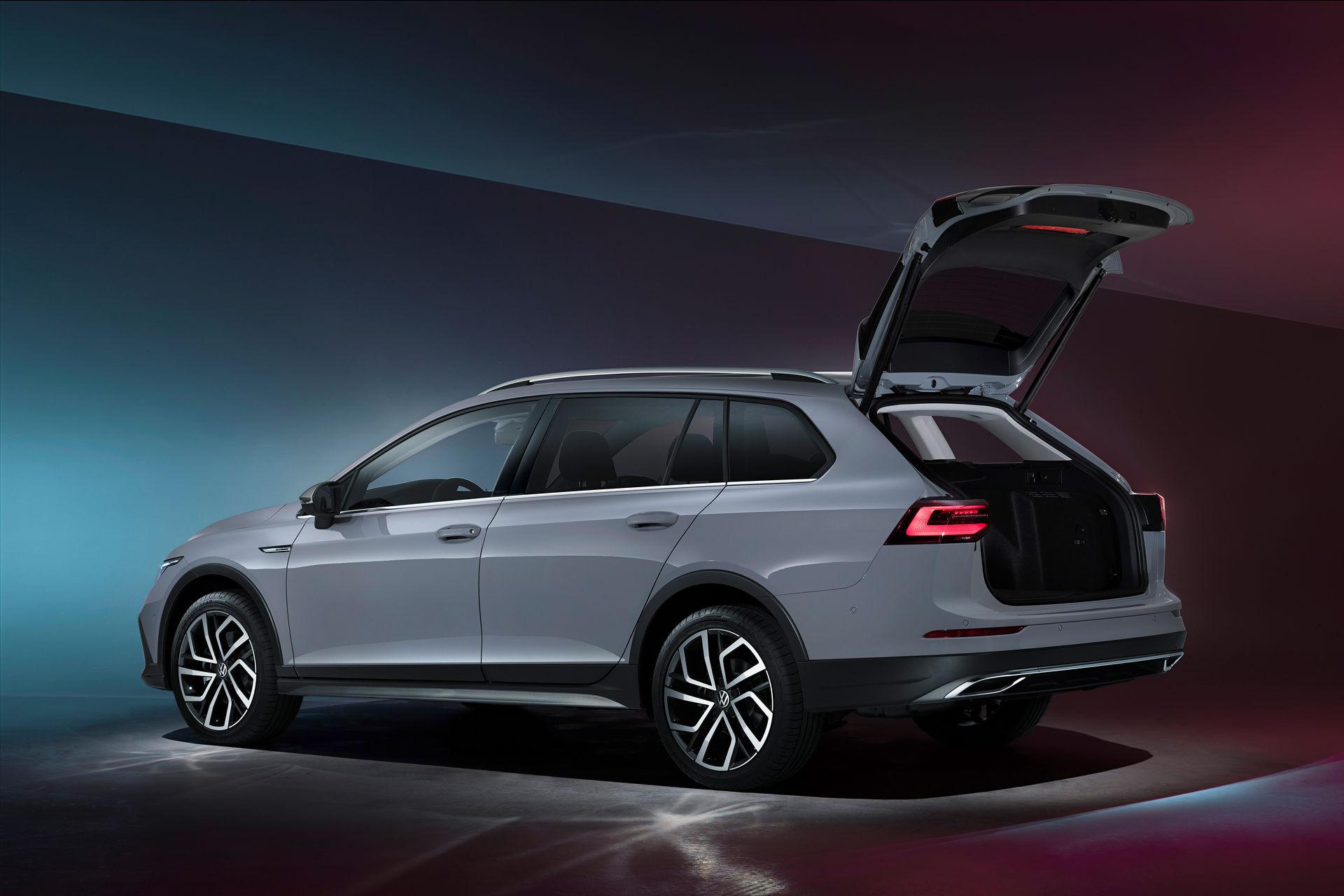 VW-Golf-Estate-And-Golf-Alltrack-16