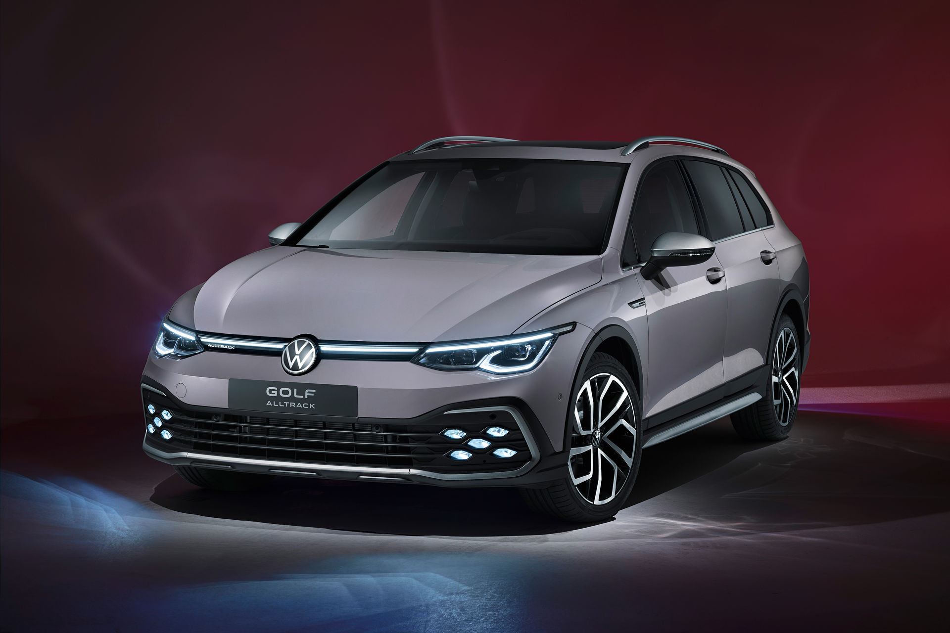 VW-Golf-Estate-And-Golf-Alltrack-19